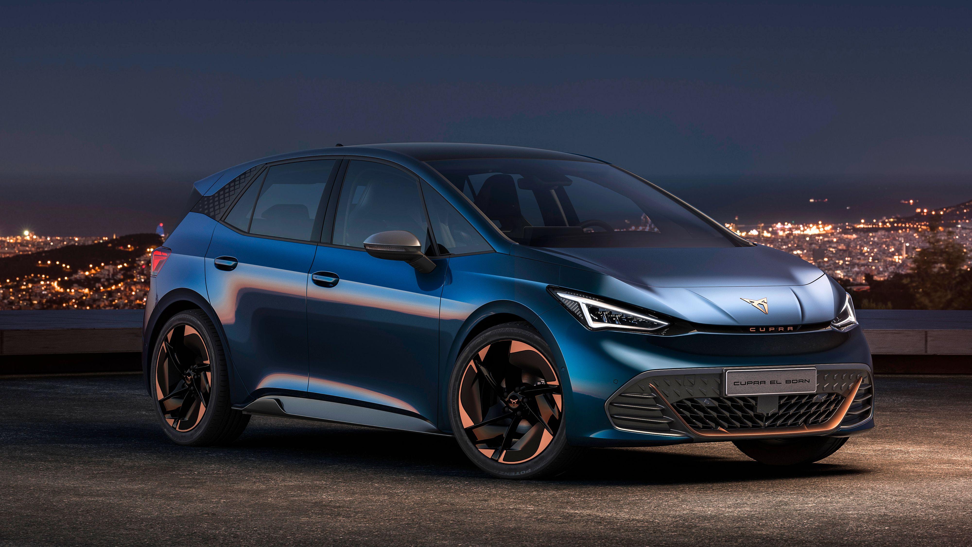 Cupra el-Born har fått hakket mer aggressiv styling enn Seat el-Born hadde. Batterikapasiteten er også økt.