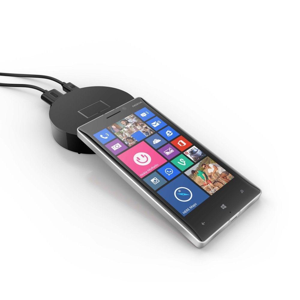 Lumia 830 har optisk bildestabilisator og PureView-kamera. Den skal koste 3295 kroner.