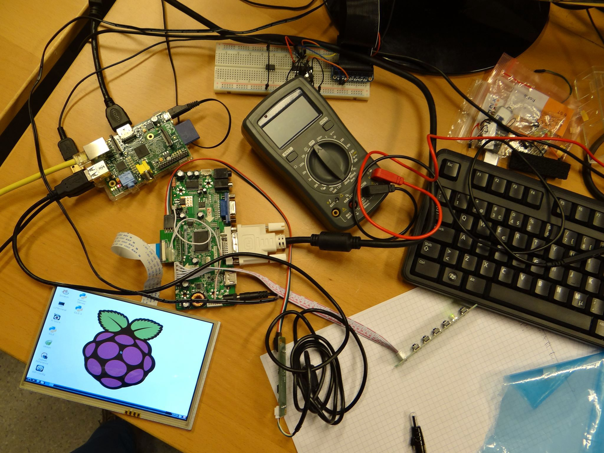 Deler av kontrollsystemet under utvikling.Foto: Nikita Sinansky