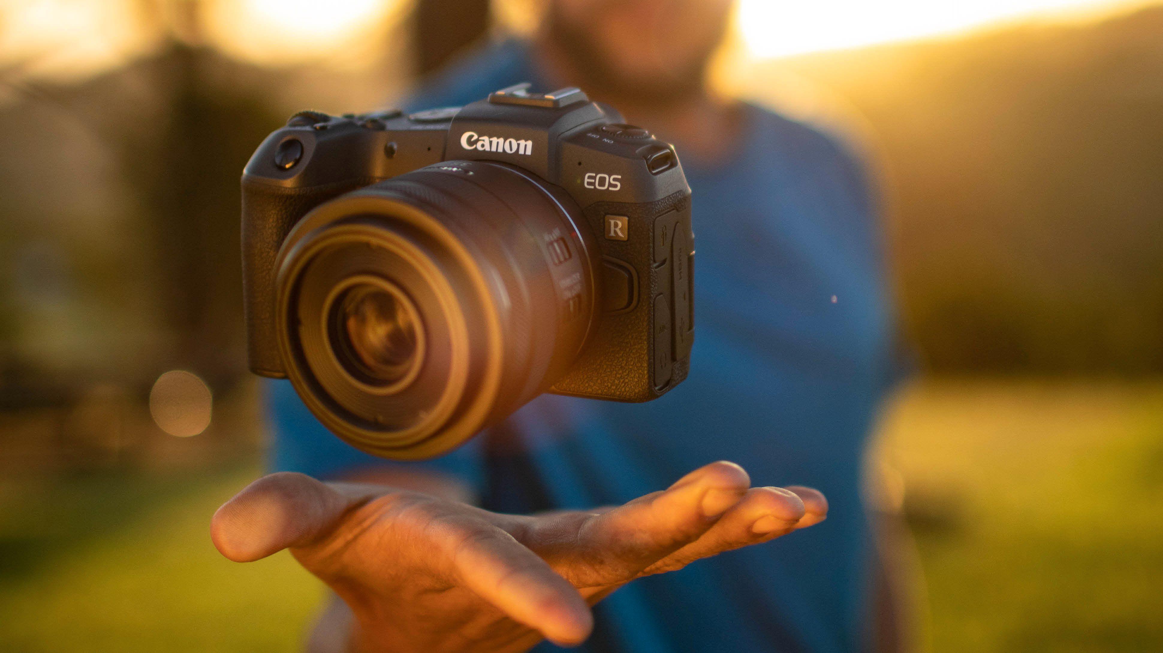 Canon satser videre på fullformat uten speil