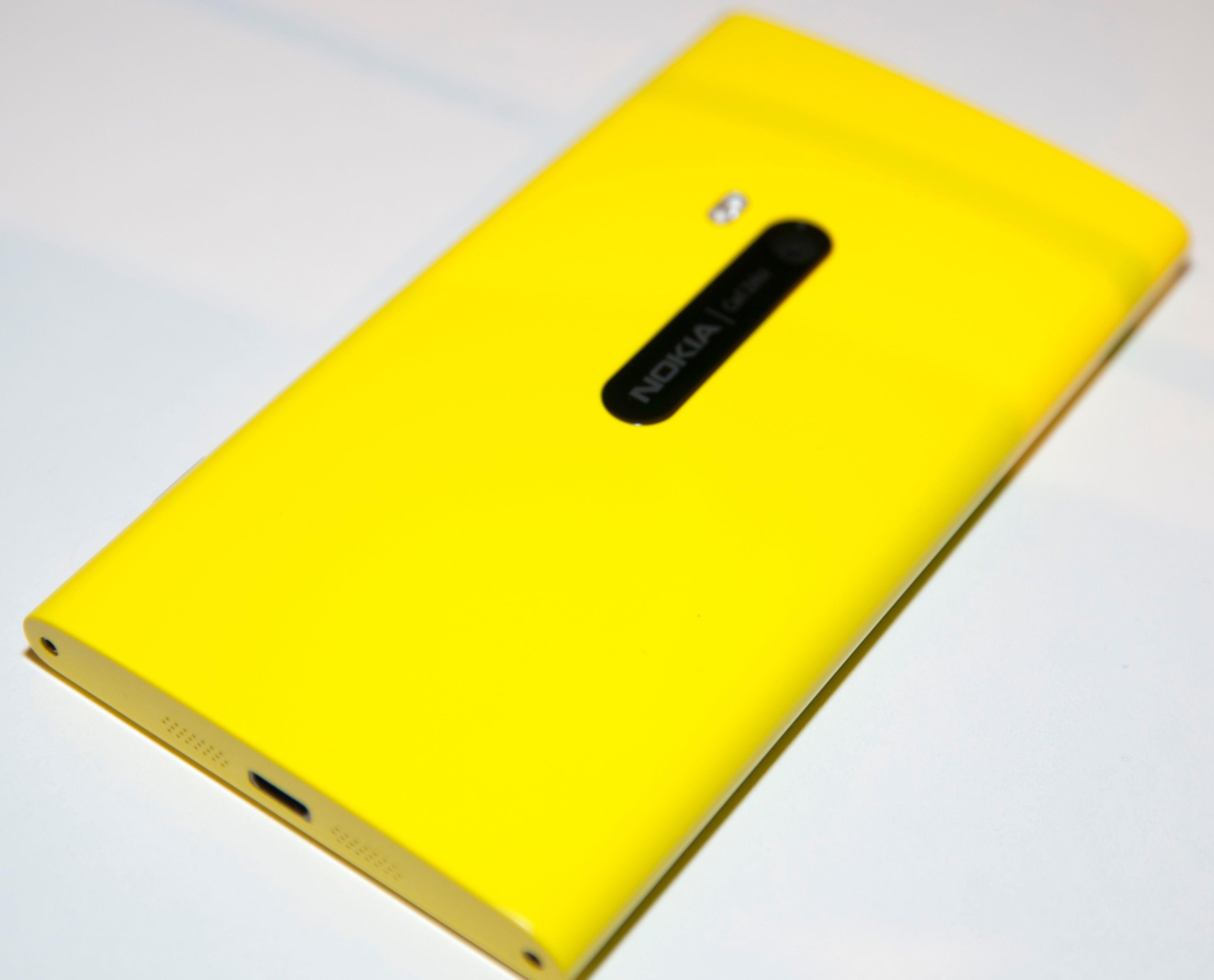 Lumia 920 er på ingen måte en liten telefon.