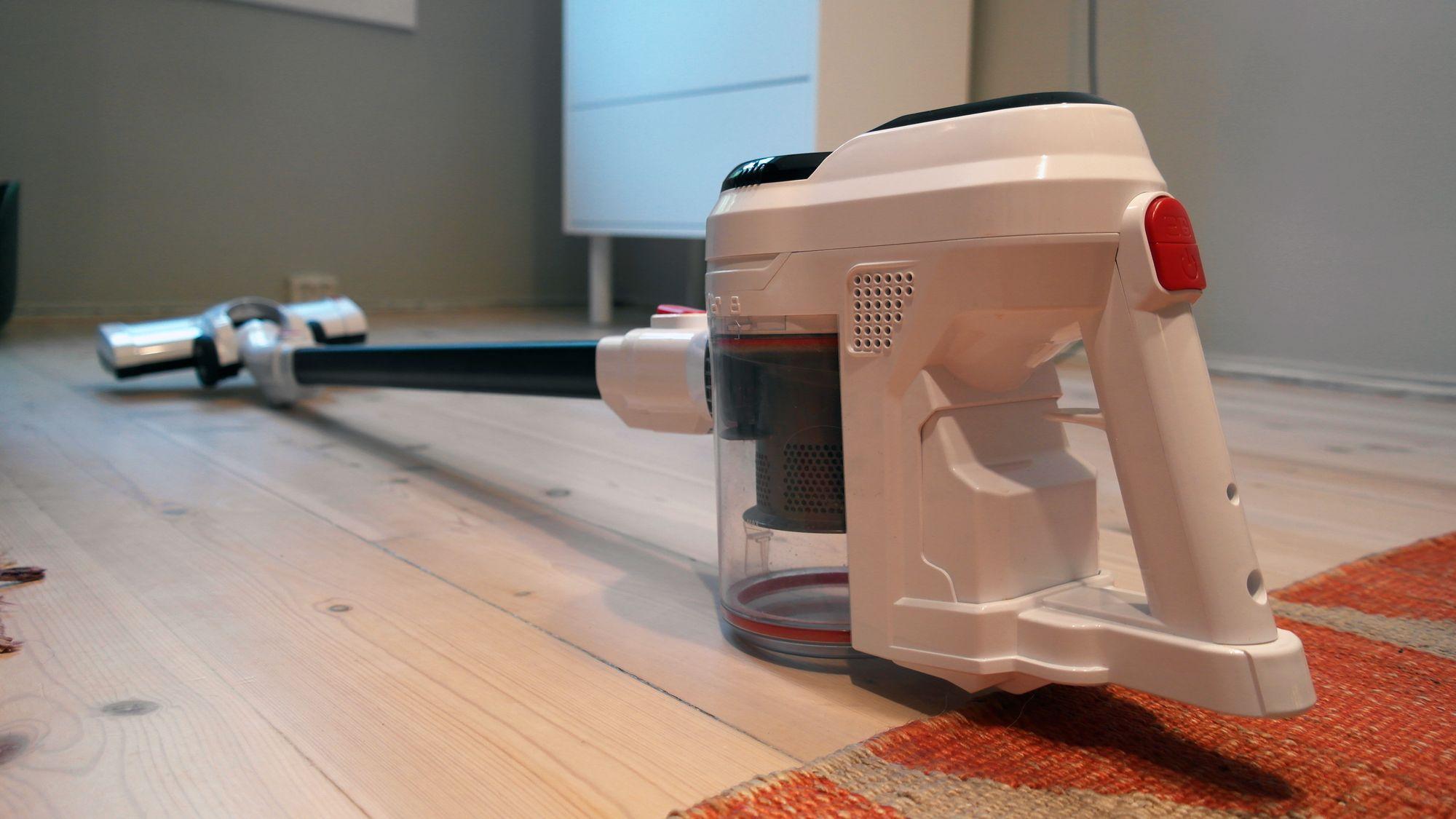 ON Stick Vacuum 10 gir deg veldig mye støvsuger for veldig lite penger.