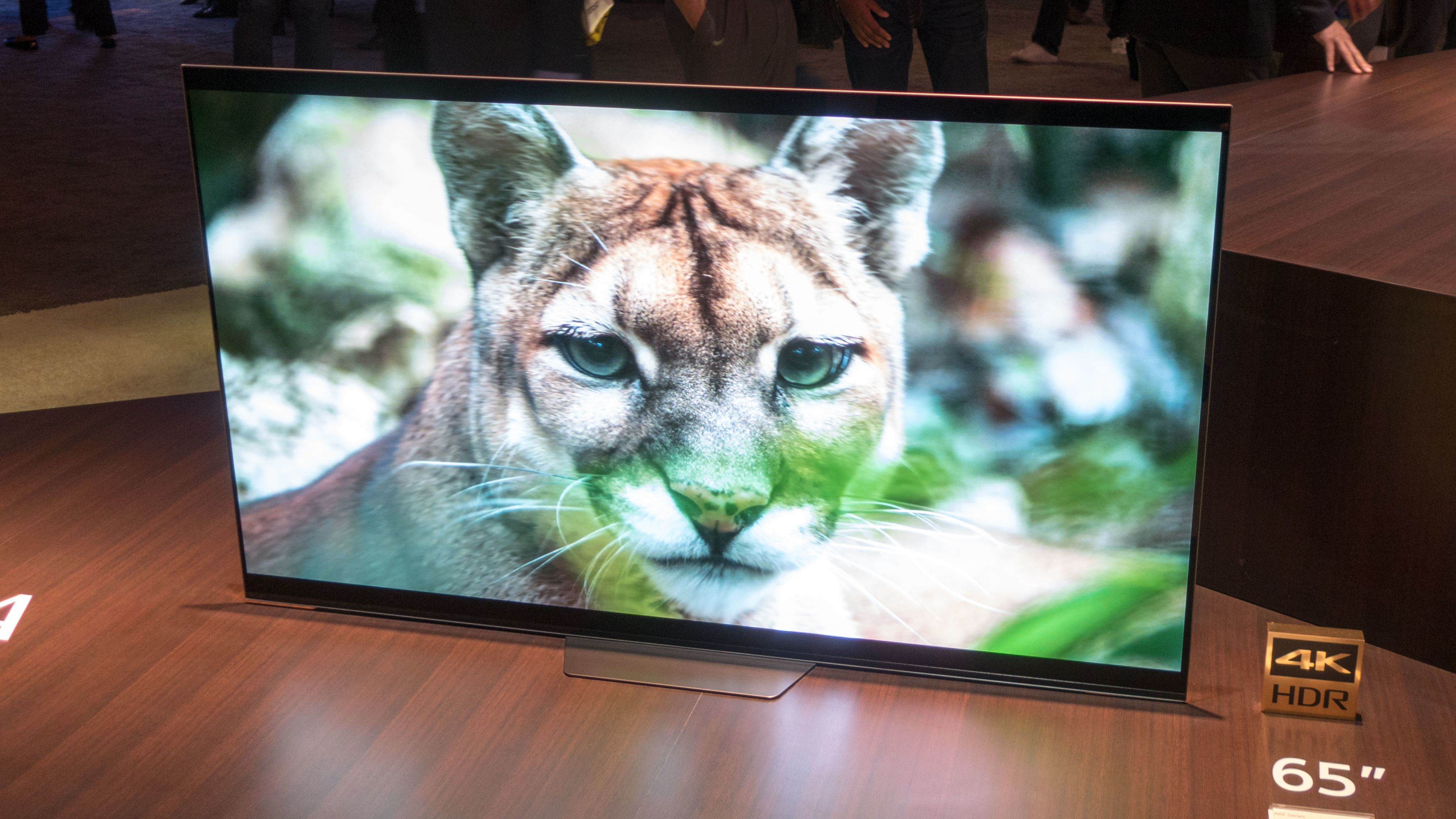 Sonys lekre OLED-TV har fått en lillebror