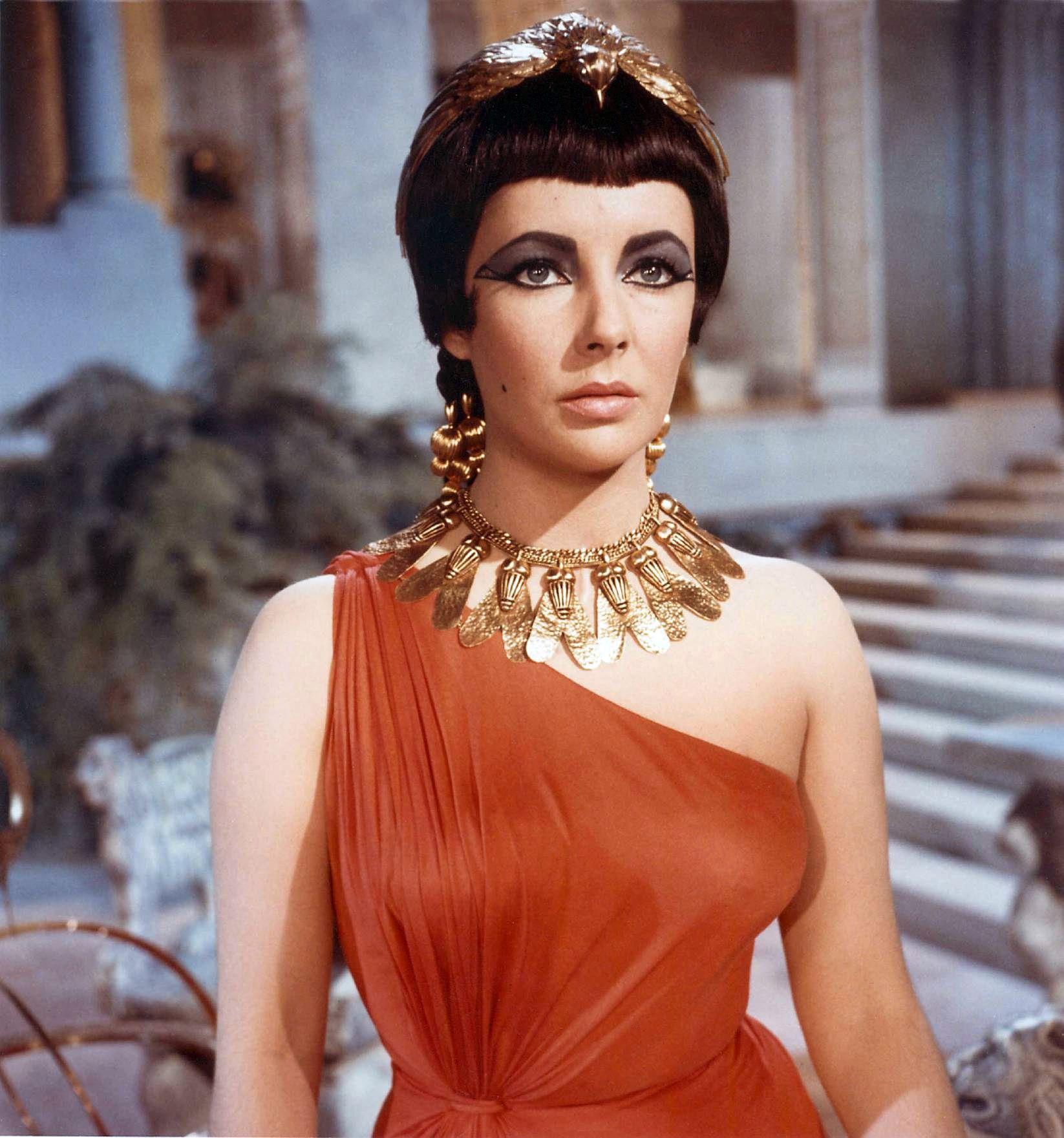 Liz Taylor som Cleopatra i den ikoniske filmen fra 1963.