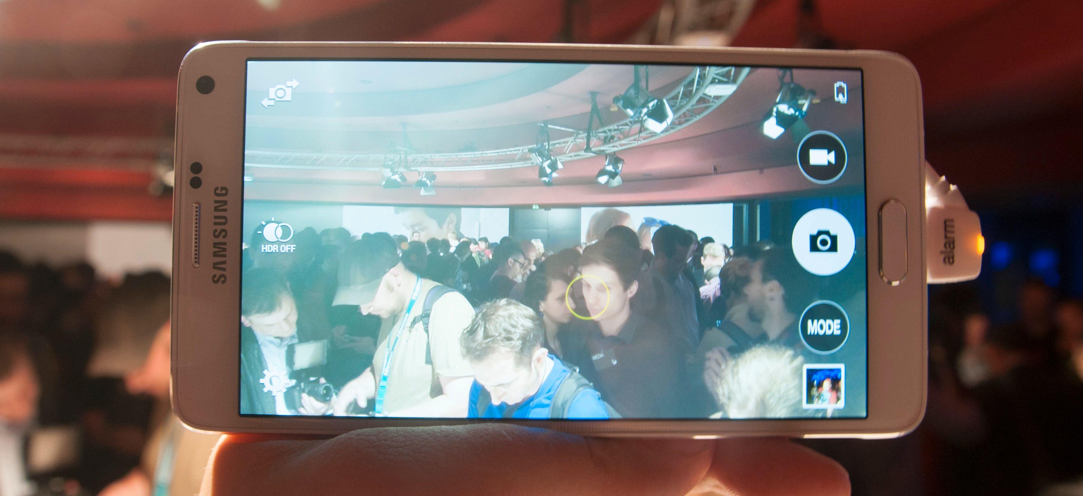 Kameraet er forbedret i Galaxy Note 4, og har nå optisk stabilisering. Det skal gi bedre bilder i mørke omgivelser.Foto: Finn Jarle Kvalheim, Amobil.no