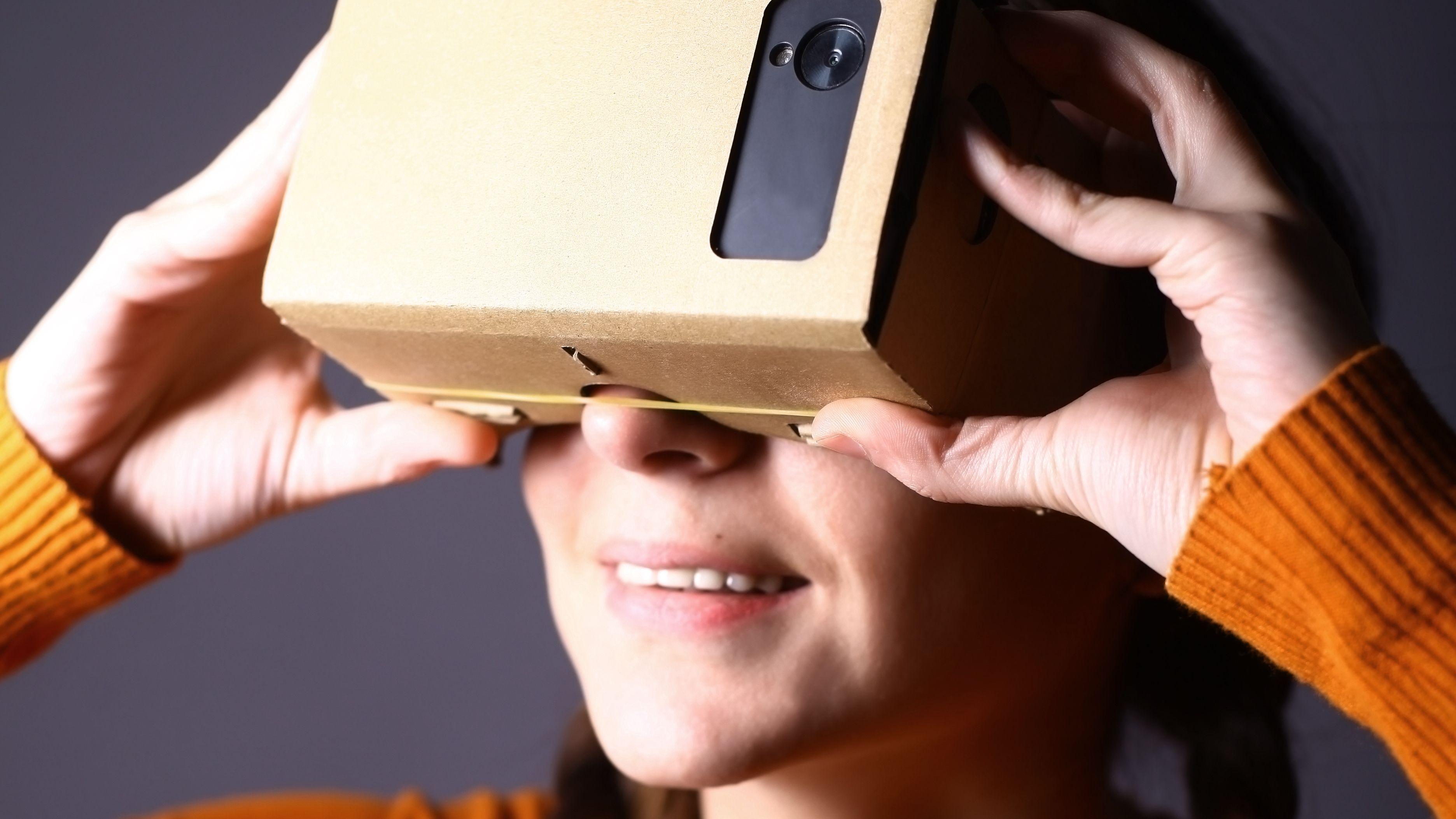 Nå kan du bruke Googles karttjeneste med VR-briller