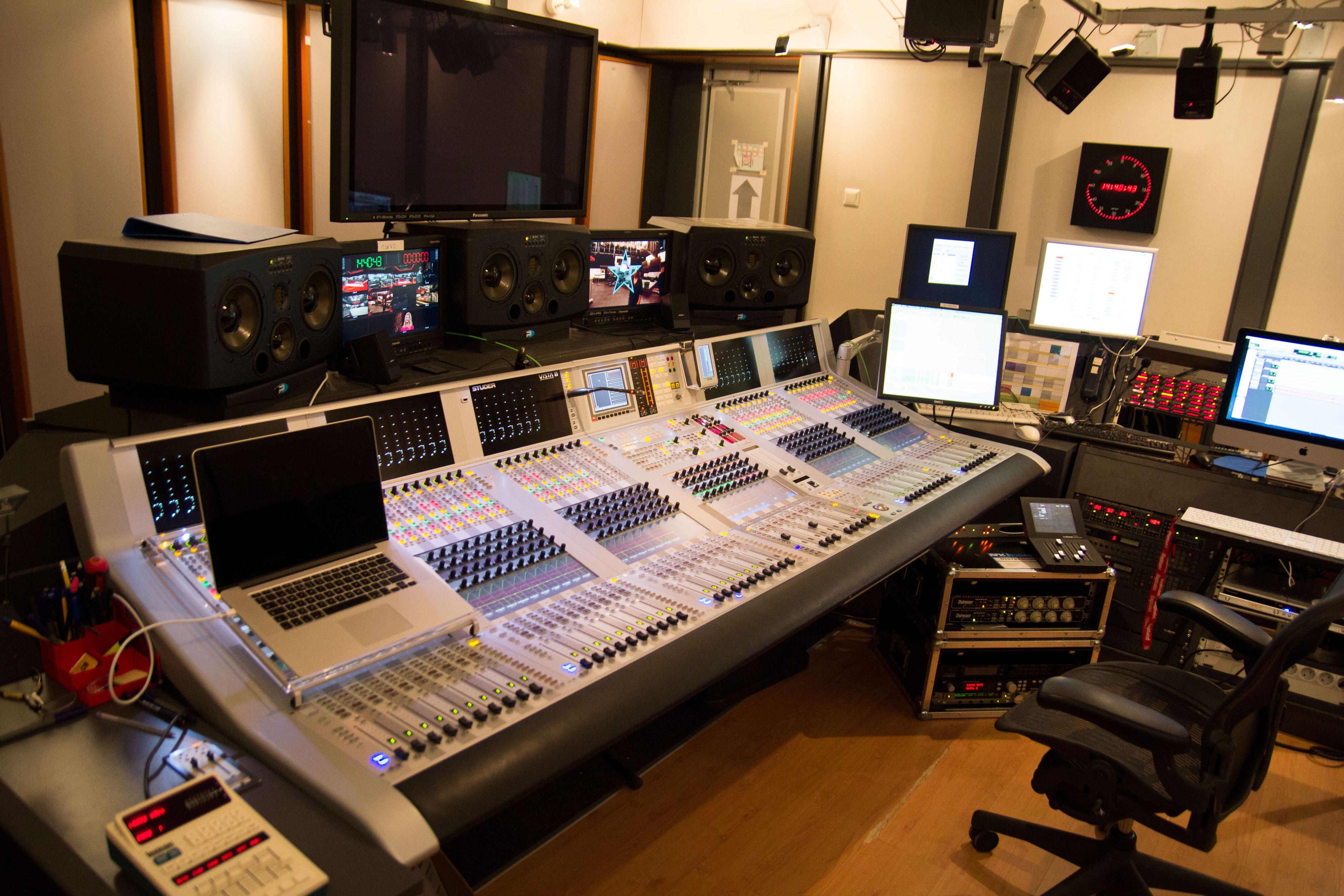 Her er lydkontrollen til studioet vi besøkte.Foto: Ole Henrik Johansen / Hardware.no