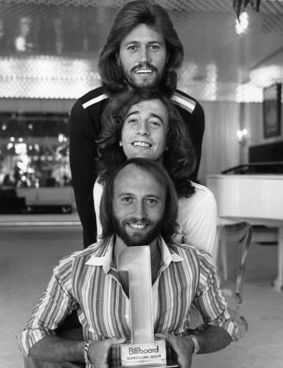Bee Gees utgir sine plater på Warner Music, og er dermed ikke tilgjengelige på Google Music.