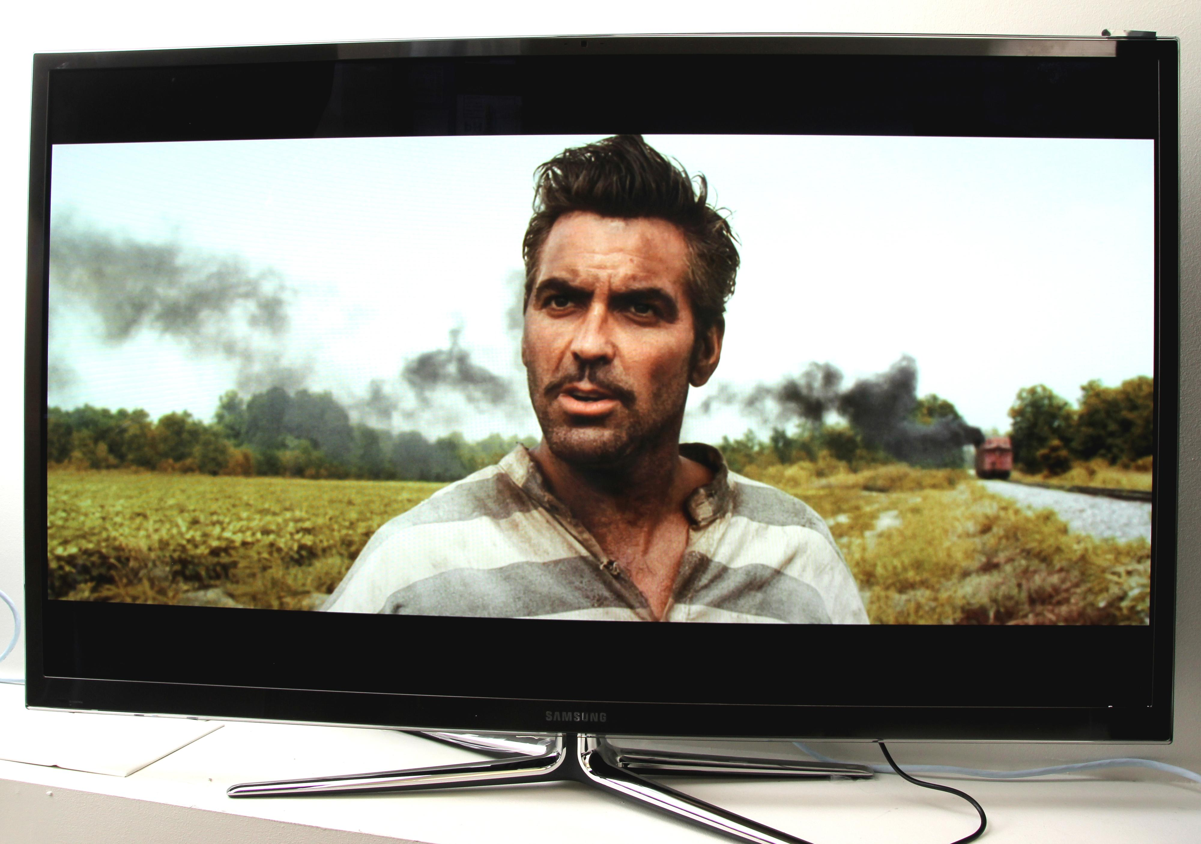 Samsung PS64E8005 har et kamera på toppen av TV-en.Foto: Hardware.no