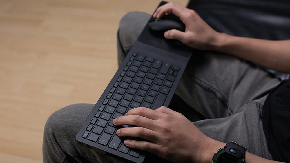 Magnetisk mus og tastatur fra Razer skal gjøre det lettere å spille PC-spill fra sofakroken