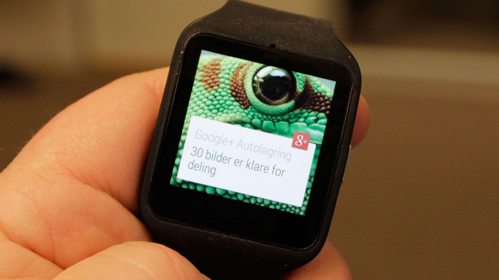 Du får informasjon på håndleddet om det meste smartmobilen foretar seg. .Foto: Espen Irwing Swang, Tek.no