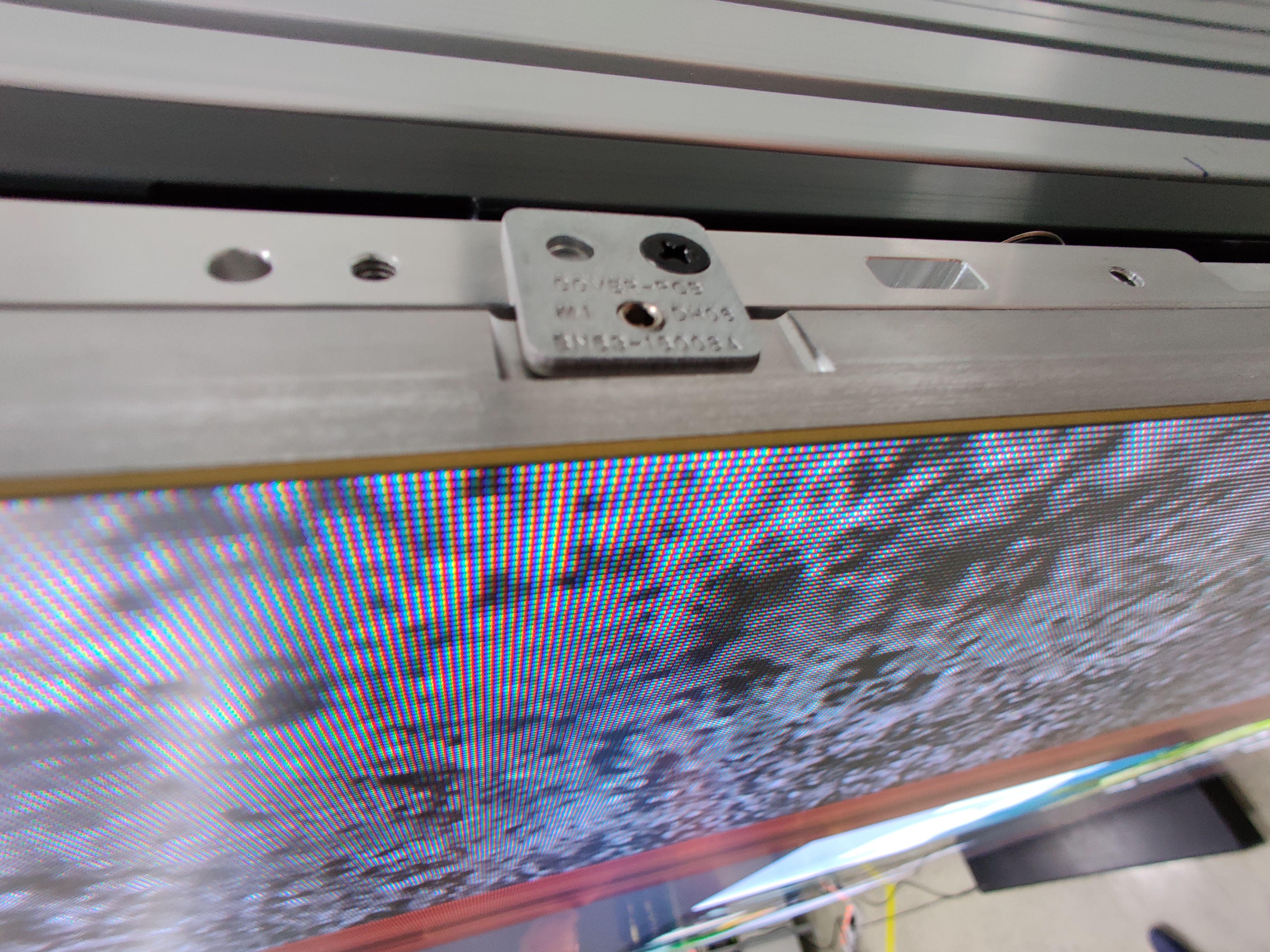Her kan du se tykkelsen på en modul. Kun få millimeter.