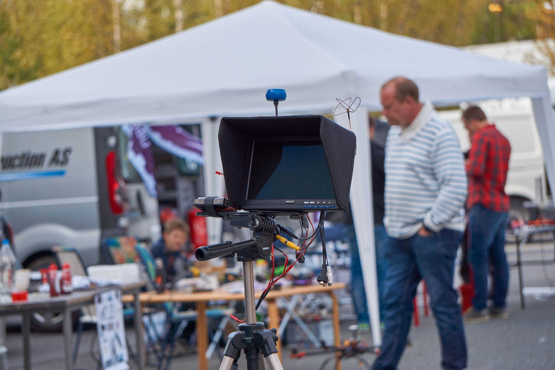 Denne ble brukt til å vise live-video fra dronene på.