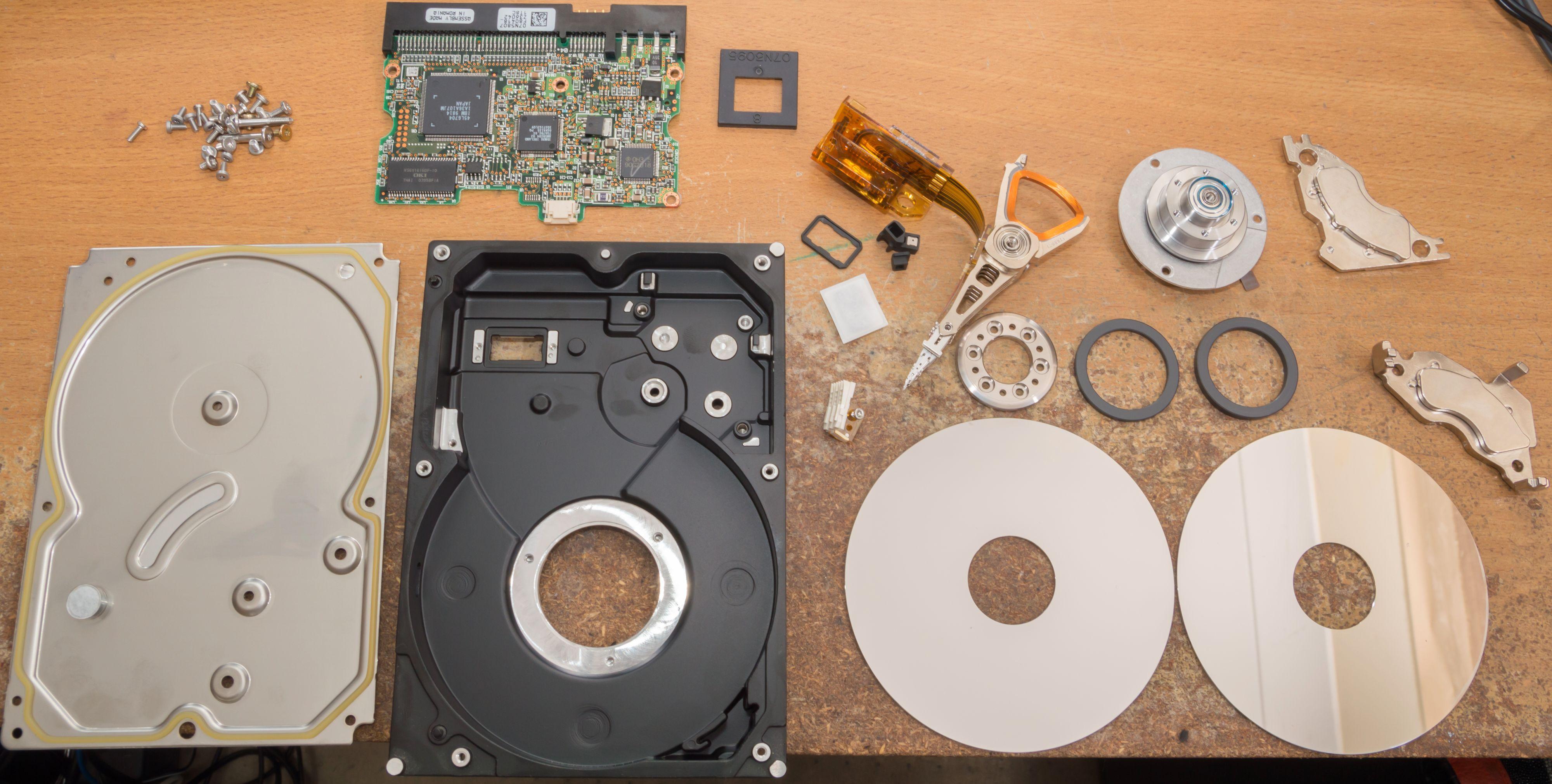 Problemet er at en harddisk er mer enn summen av alle delene.Foto: Gough Lui