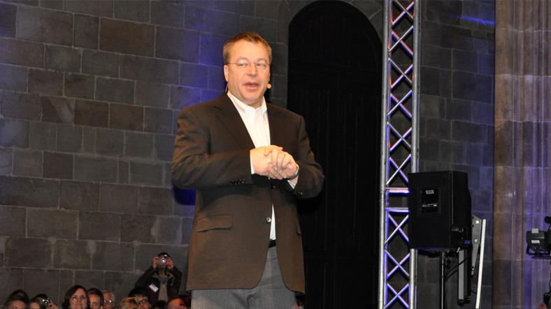 Nokias Stephen Elop forteller om overgangen til Windows Phone 7 på Mobile World Congress i februar.