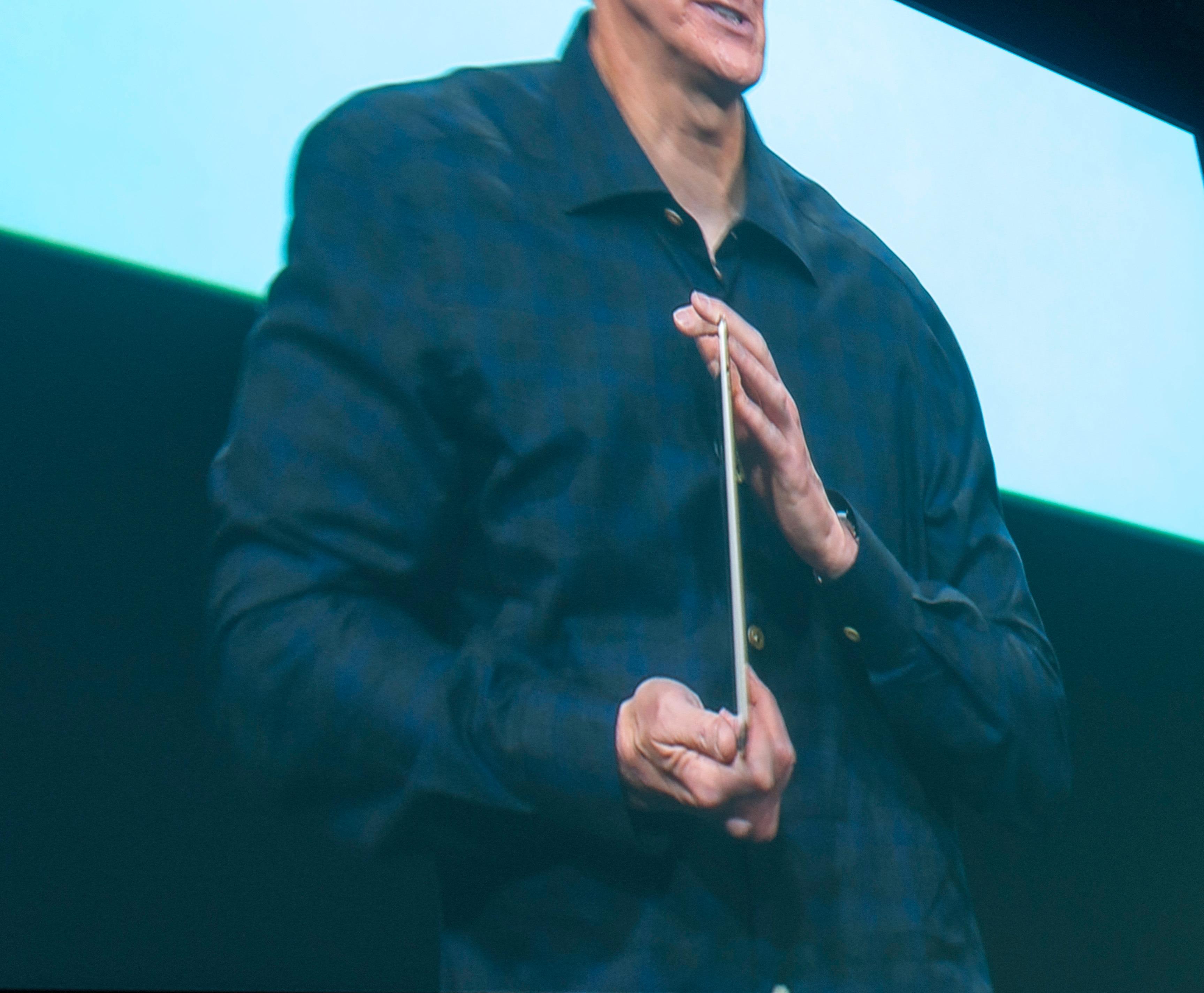 Så tynn er iPad Air 2.Foto: Finn Jarle Kvalheim, Tek.no