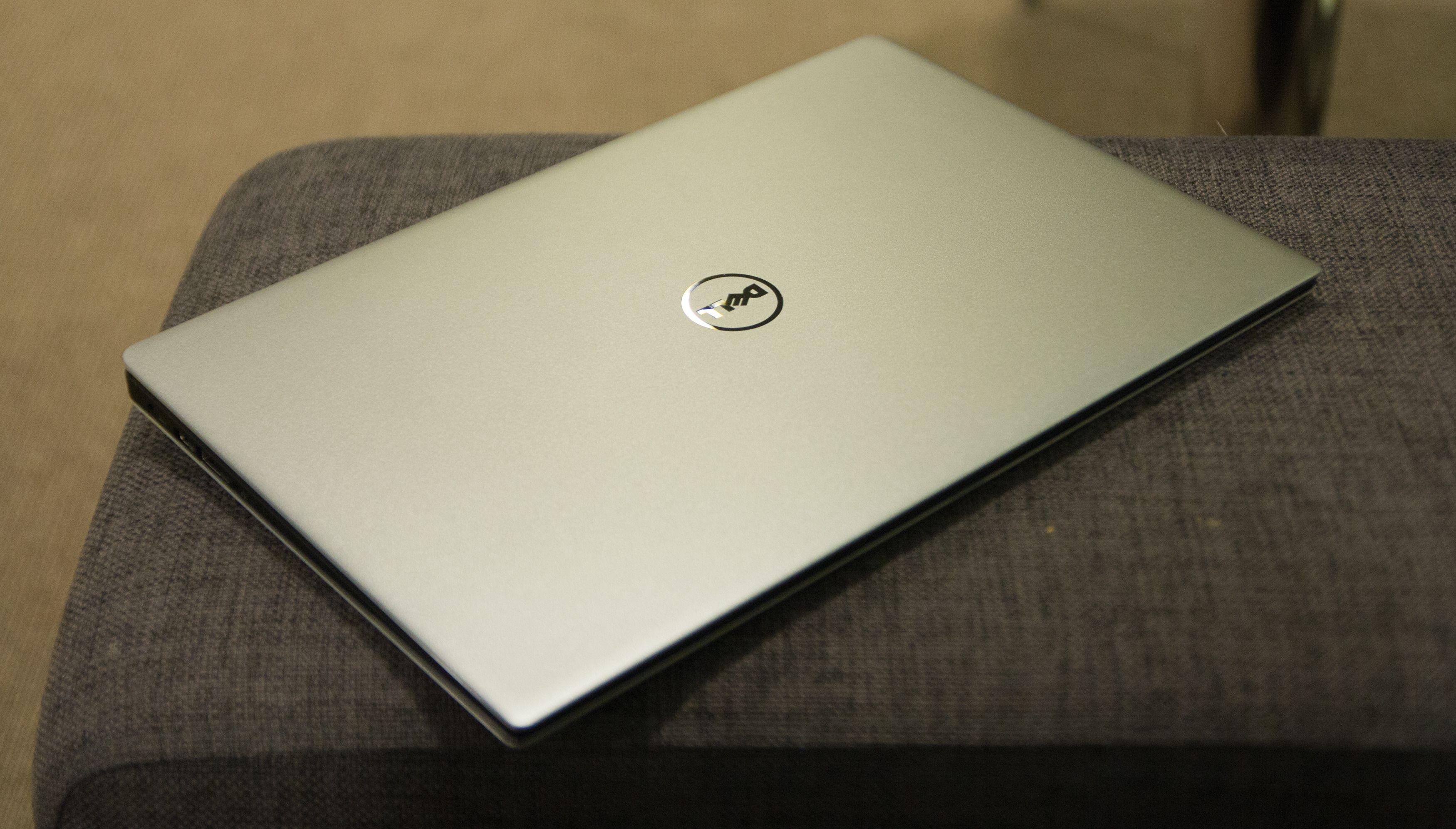 Aldri har Dell-logoen prydet en så god ultrabærbar. Foto: Anders Brattensborg Smedsrud, Tek.no
