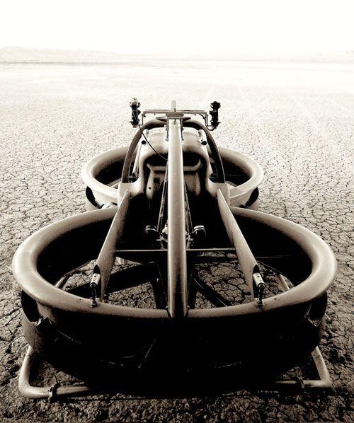 TØFF: Men ikke forvent at denne dukker opp på veien med det første. Selskapet bak ønsker først og fremst å bruke teknologien til å uvikle ubemannede droner og arbeidshester til landbruket eller redningsaksjoner i ulendt terreng.Foto: Aerofex.com