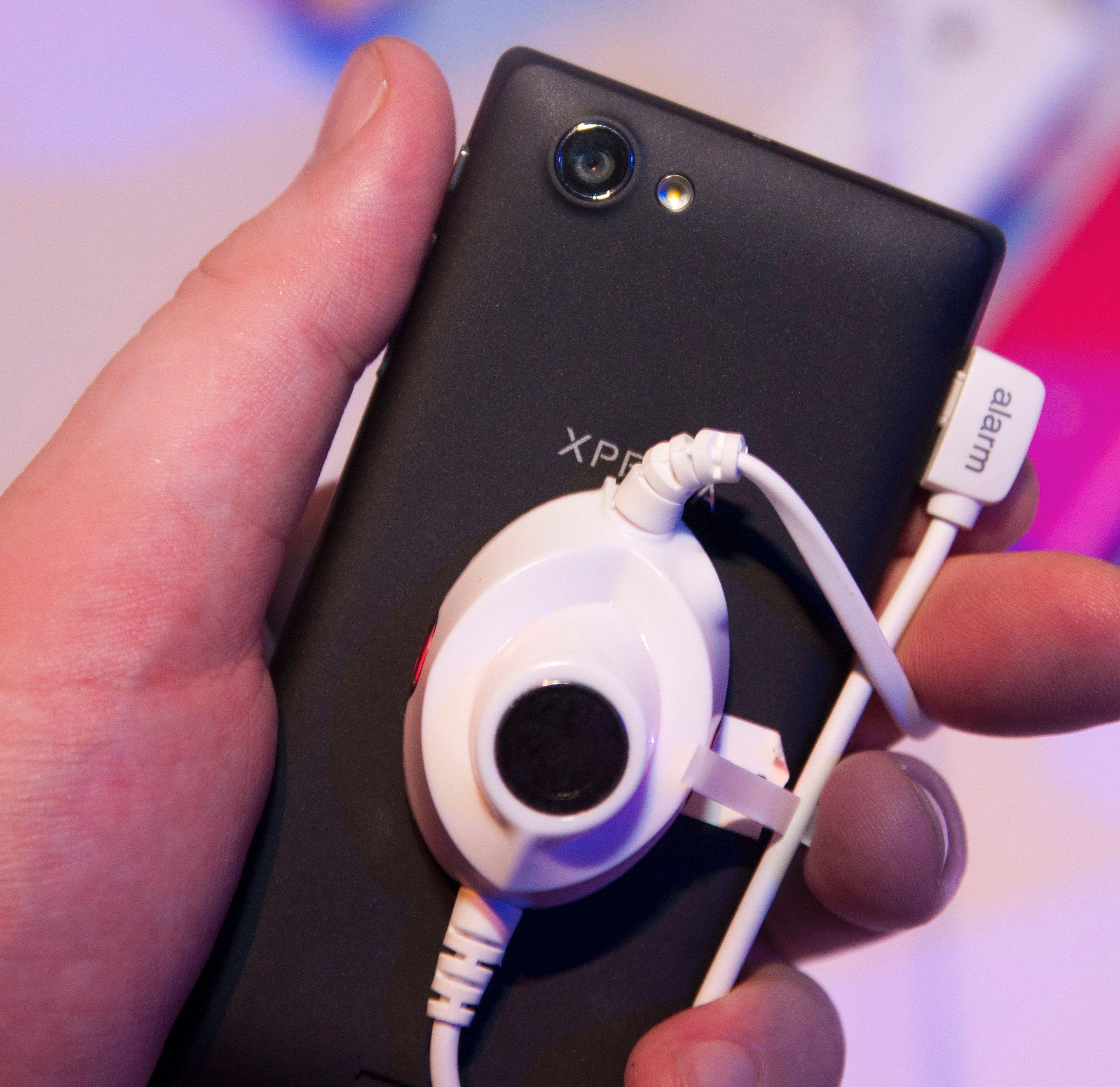 Kameraet sitter på baksiden og knipser bilder med fem megapikslers oppløsning.