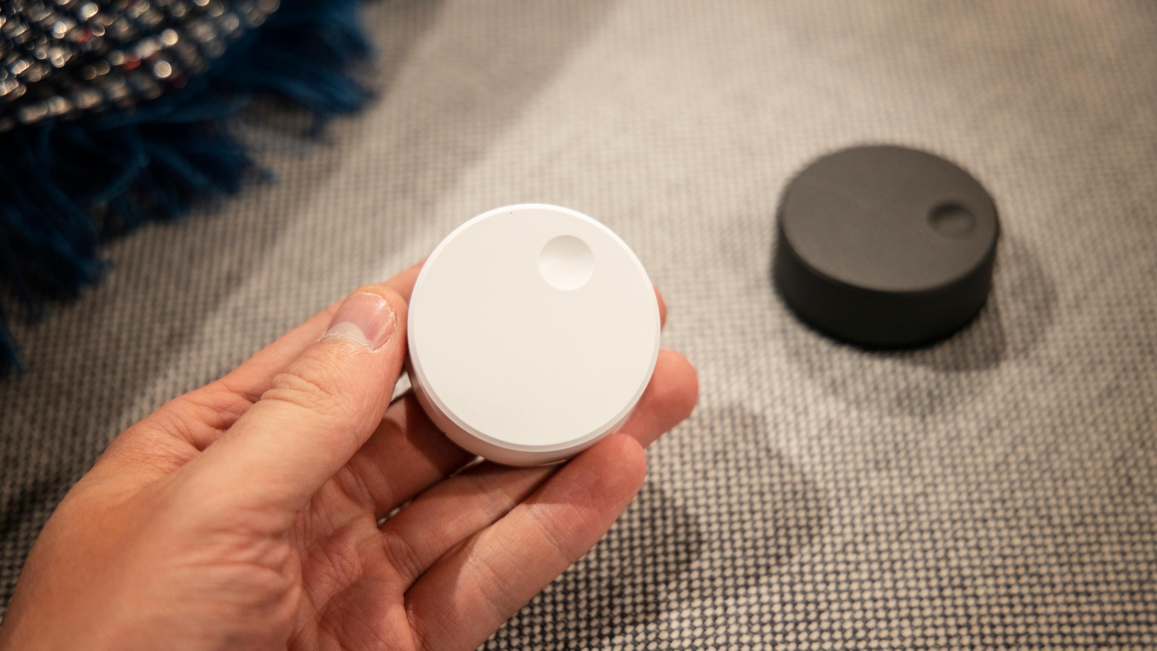 Disse små fjernkontrollene kommer i salg senere i høst, og gir muligheten til å styre musikkavspillingen i Sonos-/Symfonisk-systemet.