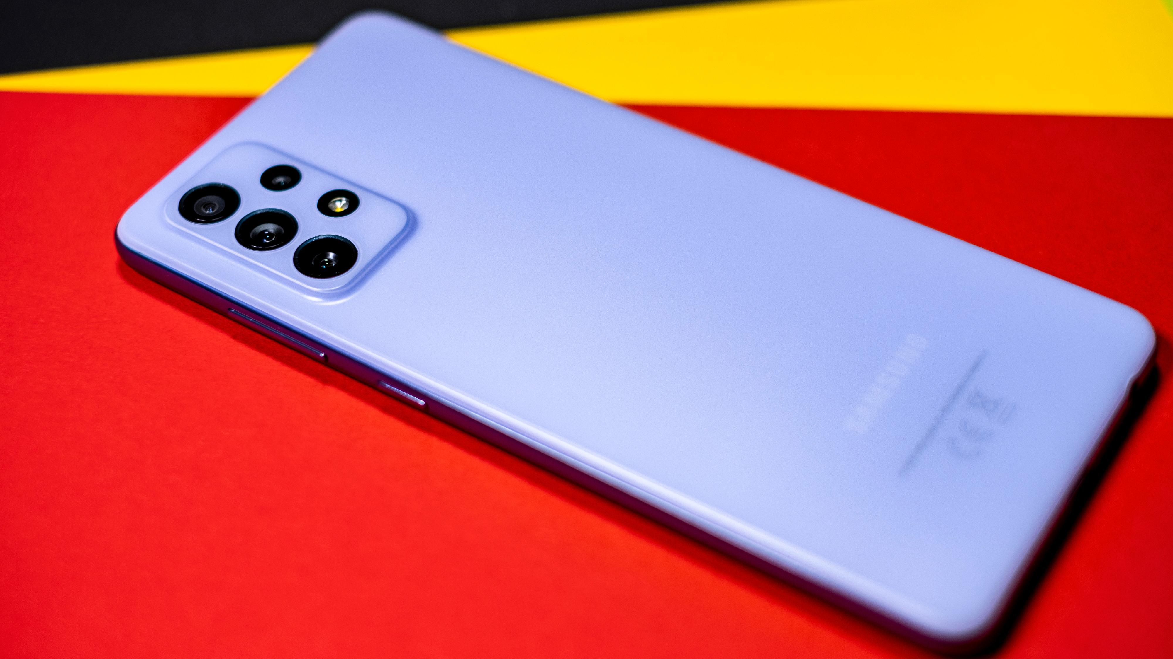 Farger er tingen med den nye Galaxy A-serien. Både A52 og A72 kommer i spennende fargealternativ du sjelden ser toppmodeller i.