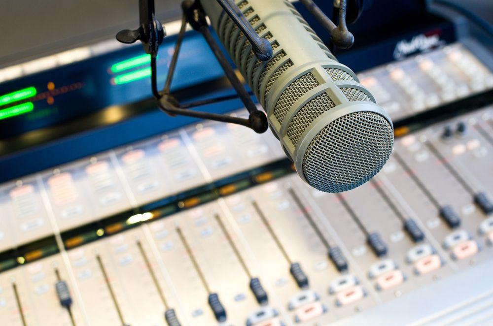 Digital radio skal gi bedre lydkvalitet hjem til deg.Foto: Shutterstock