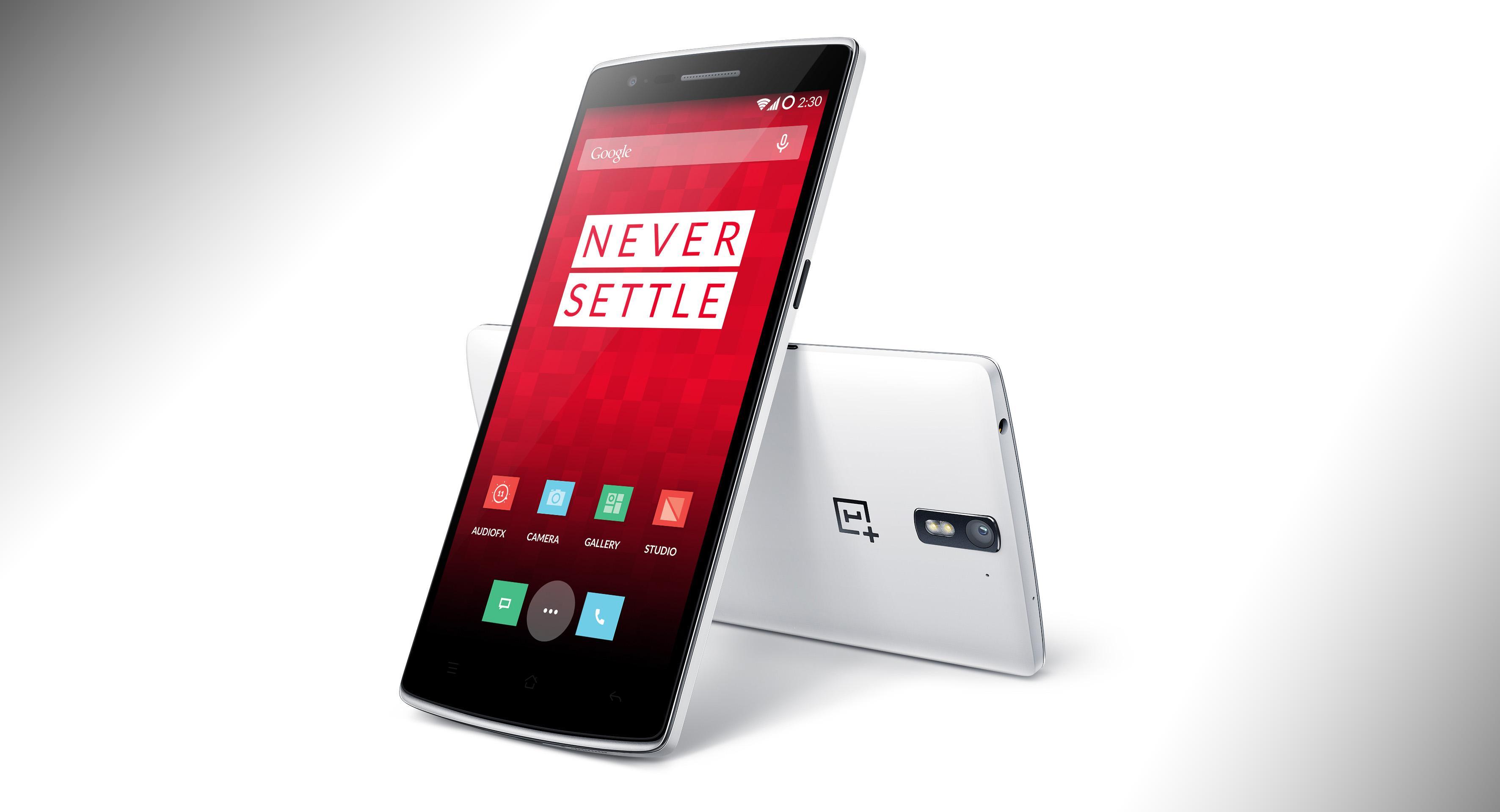 Originalen, OnePlus One ble en voldsom suksess for produsenten, selv om den bare kunne kjøpes med invitasjoner og selskapet gikk på flere markedsføringsblemmer underveis. Foto: OnePlus