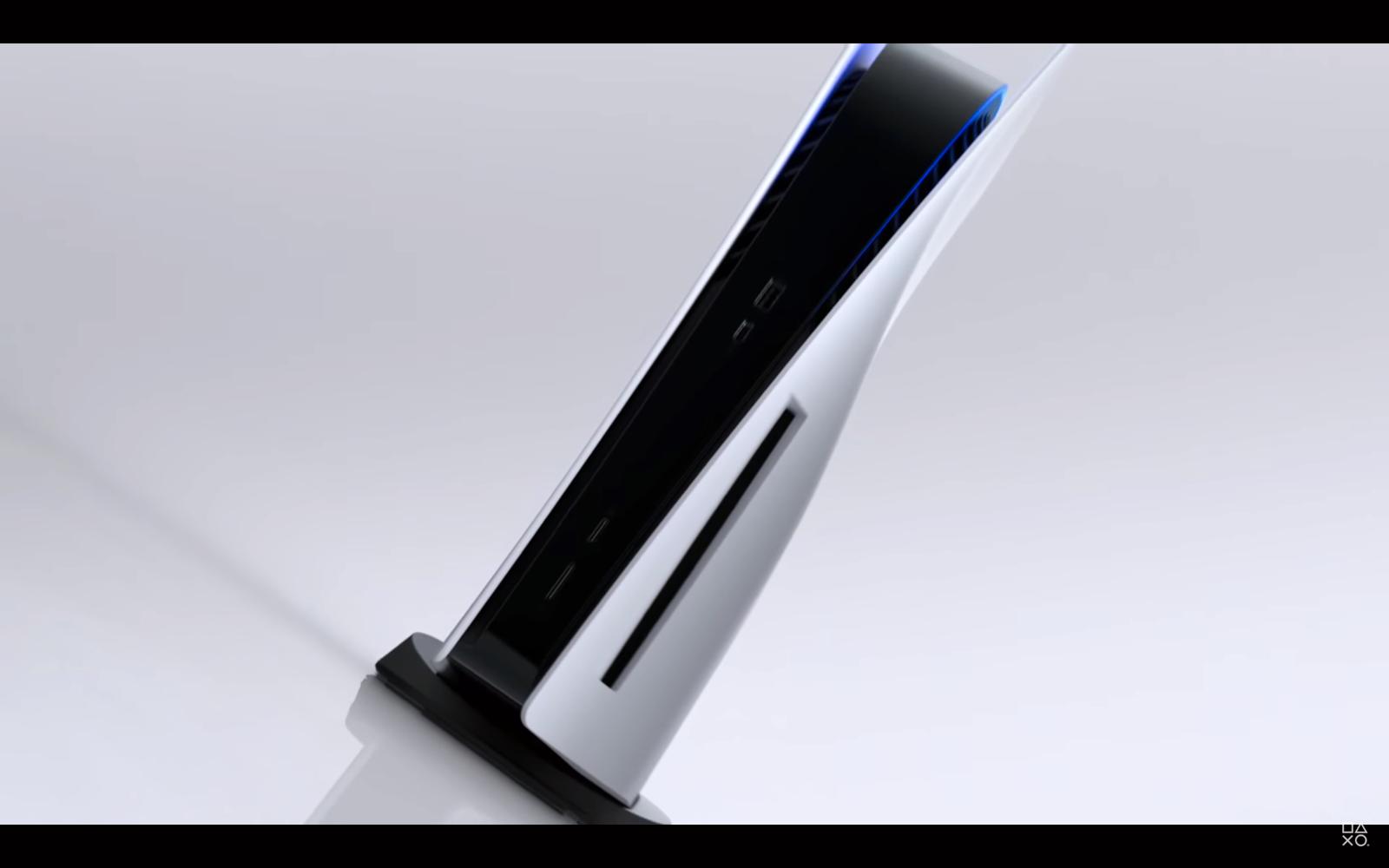 Den nye konsollen er hvit og sort, akkurat som kontrolleren.