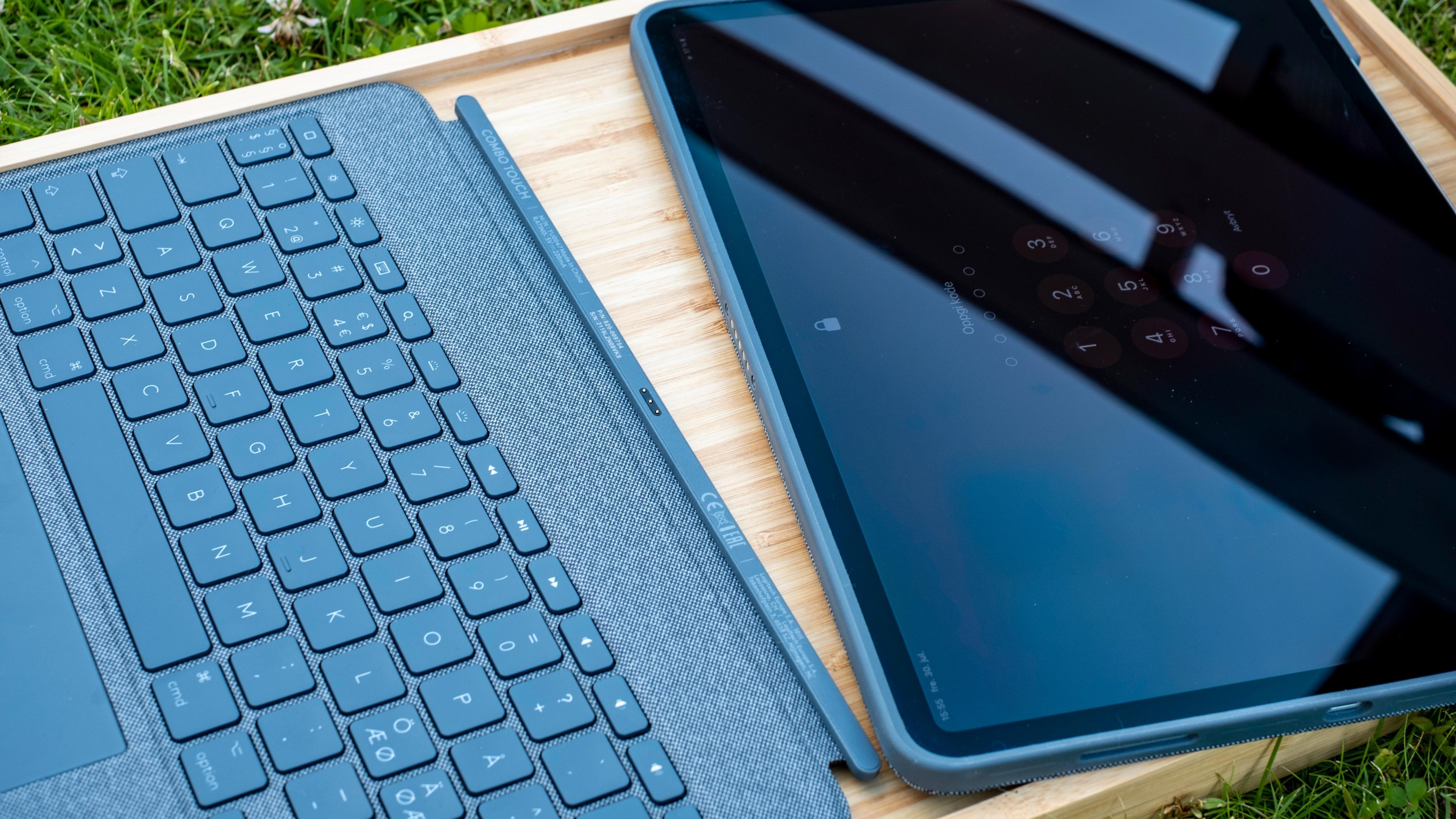 Tastaturet kan hektes av - det sitter bare med magneter. Du står igjen med et kraftig nettbrettdeksel rundt iPad Pro.