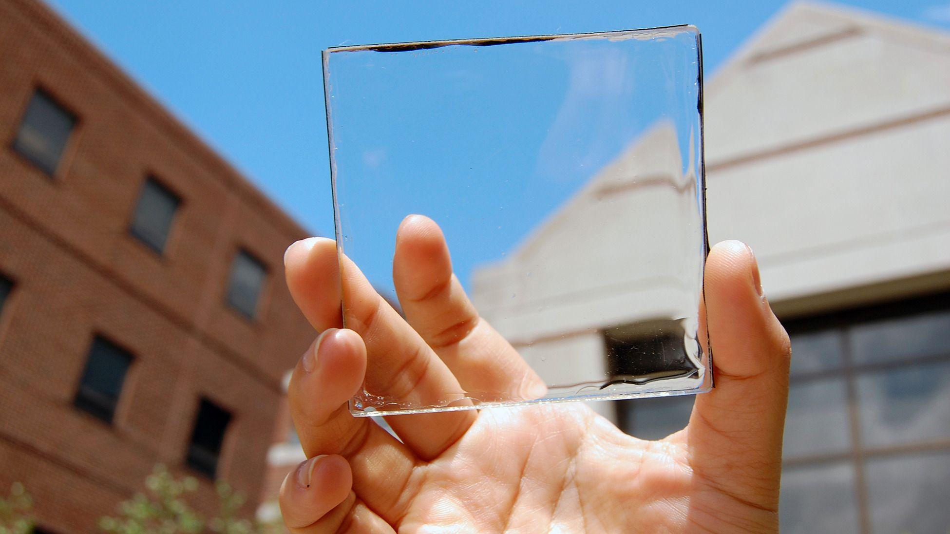 Vil bygge solcellepaner inn i skjermene