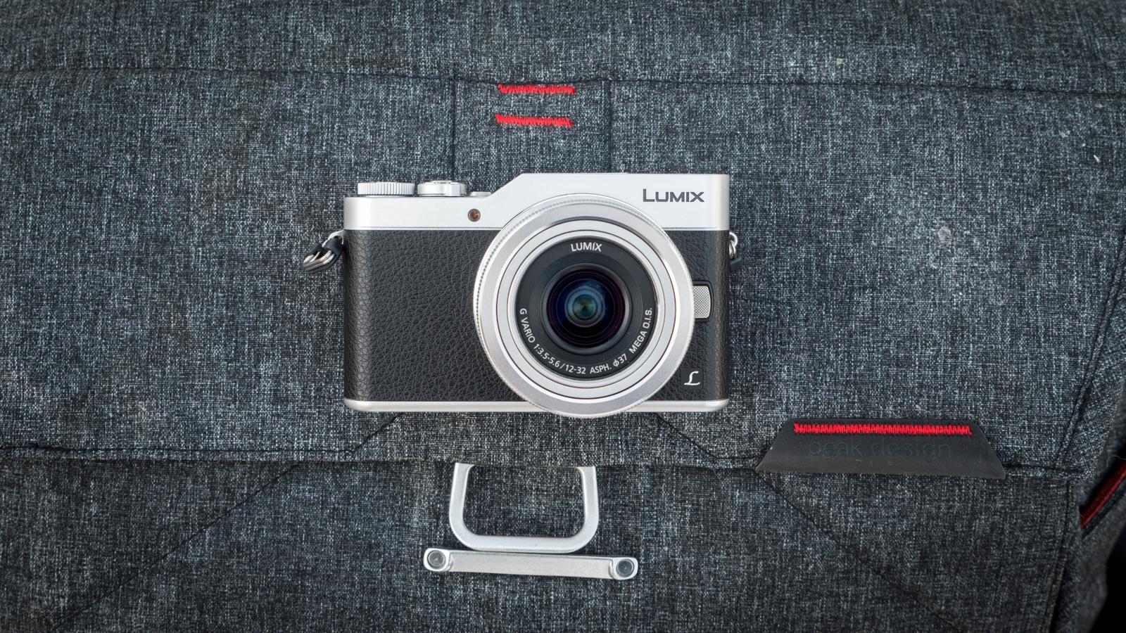 Designet er pent nok, men kameraet er så lite at det kan se litt ut som et lekekamera.