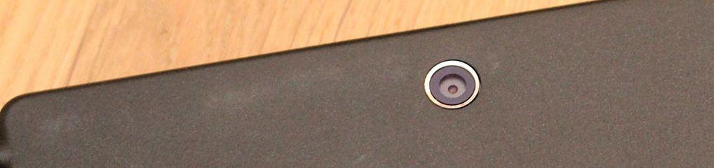 Sony er normalt gode på kamera, men her har de spart på kruttet. Fotolys mangler, og kameraet er slett ikke på høyde med det du finner i Sonys toppmobiler.Foto: Espen Irwing Swang, Tek.no