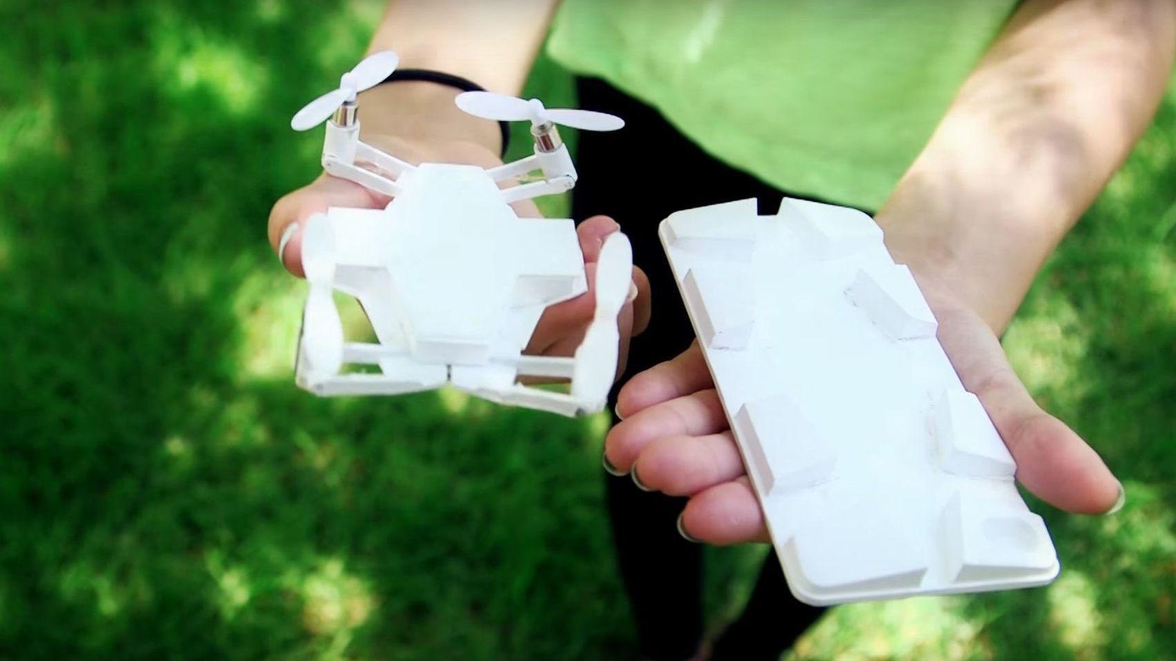 Mobildeksel og drone i én pakke