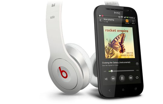 HTC One SV benytter Beats Audio-teknologi, som skal gi bedre lyd. Hodetelefonene på bildet følger ikke med.