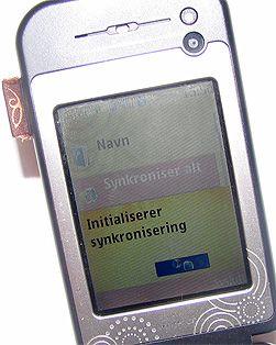 Synkronisering med Sync ML er enkelt, og gjøres fra telefonens meny.