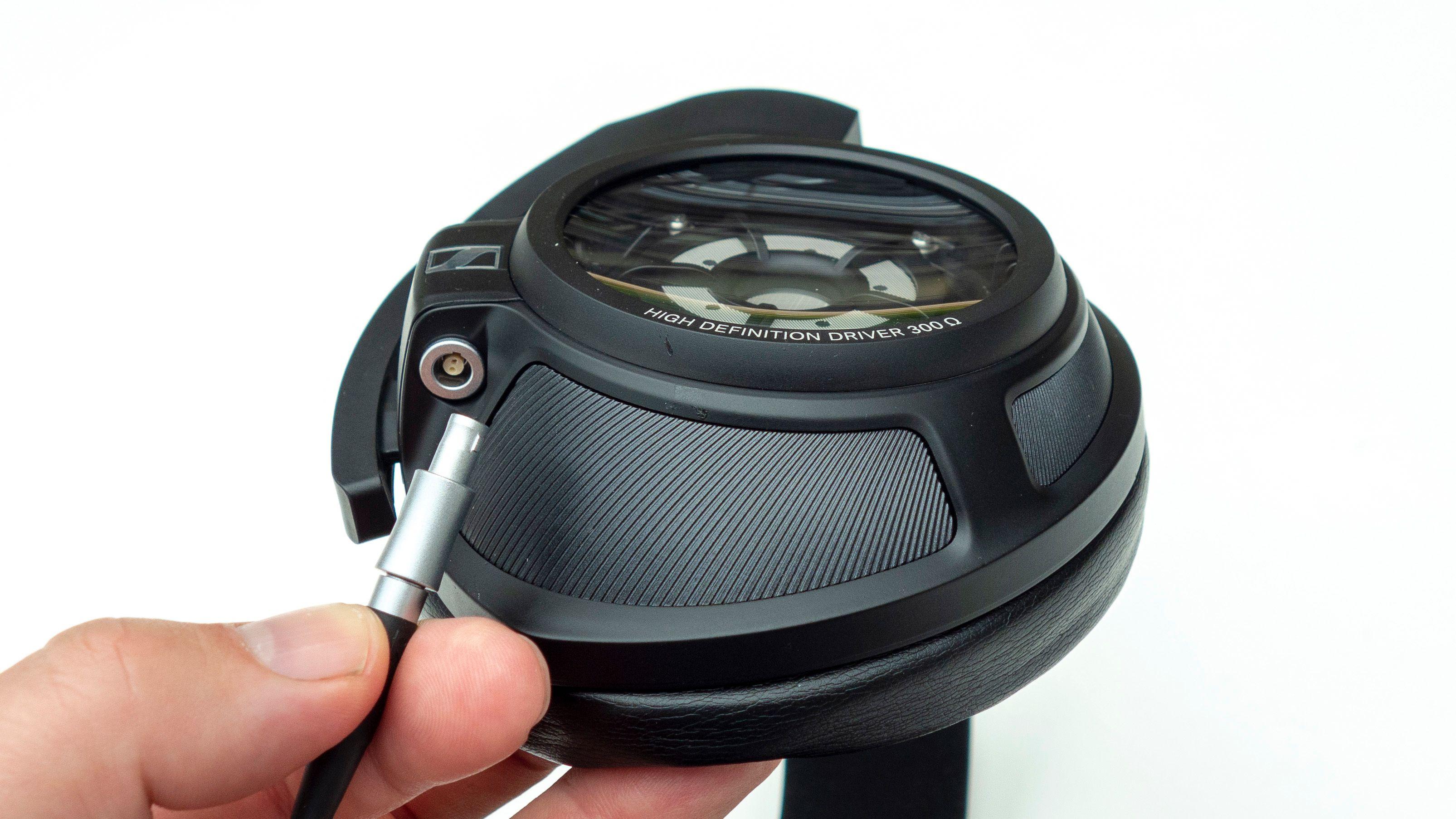 Kabelen kan enkel kobles fra selve klokken.