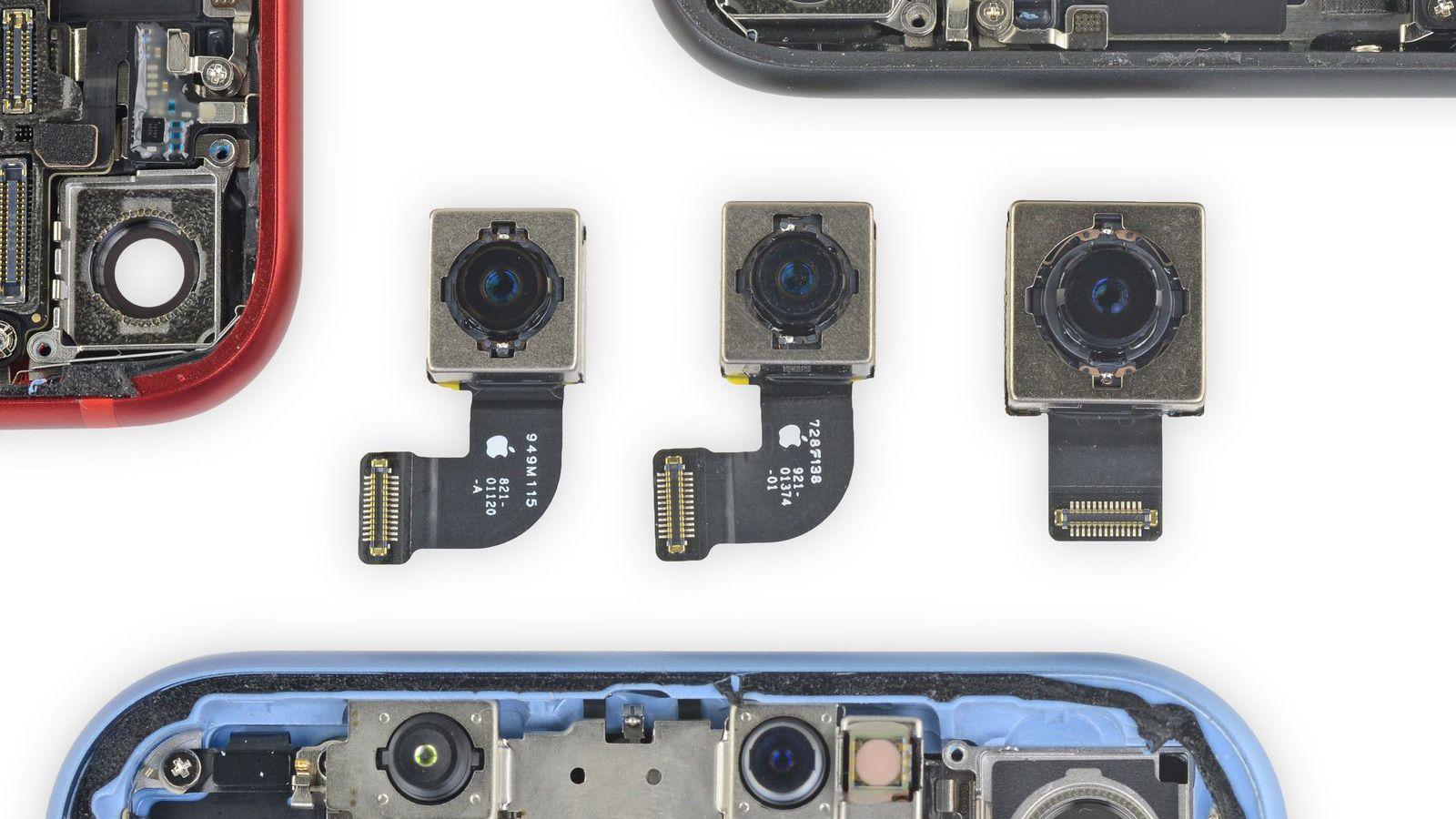 Kamerasensoren i iPhone SE virker å være den samme som i iPhone 8. iPhone XR-sensoren (til høyre) var betydelig større.