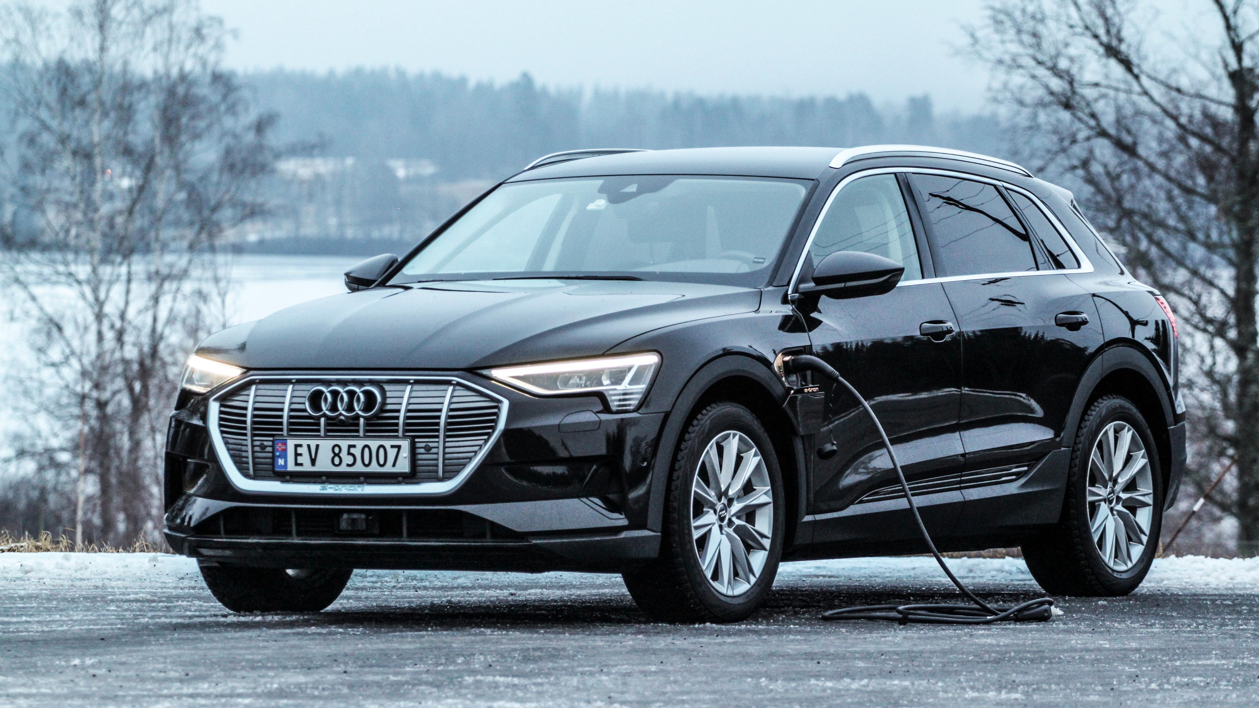 Langt over 1 av 10 nybiler i mars var en Audi e-tron