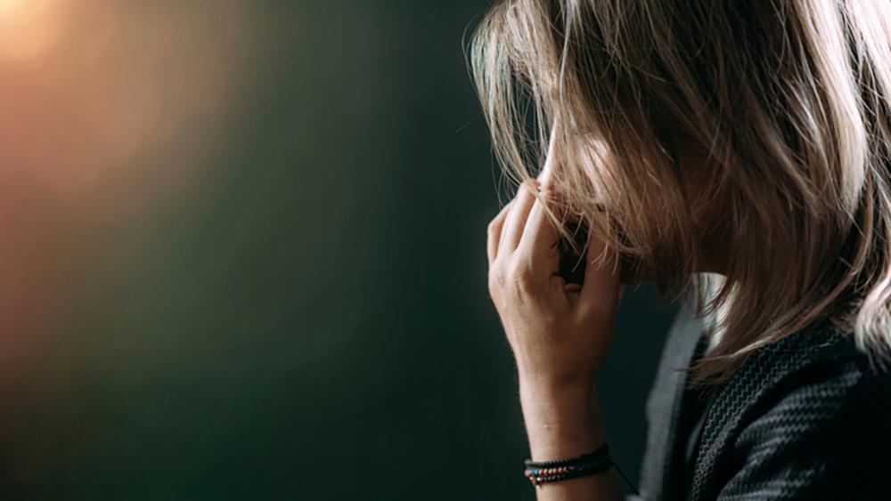 Posttraumatiskt stressyndrom (PTSD) kan drabba personer som har varit med om traumatiska händelser.