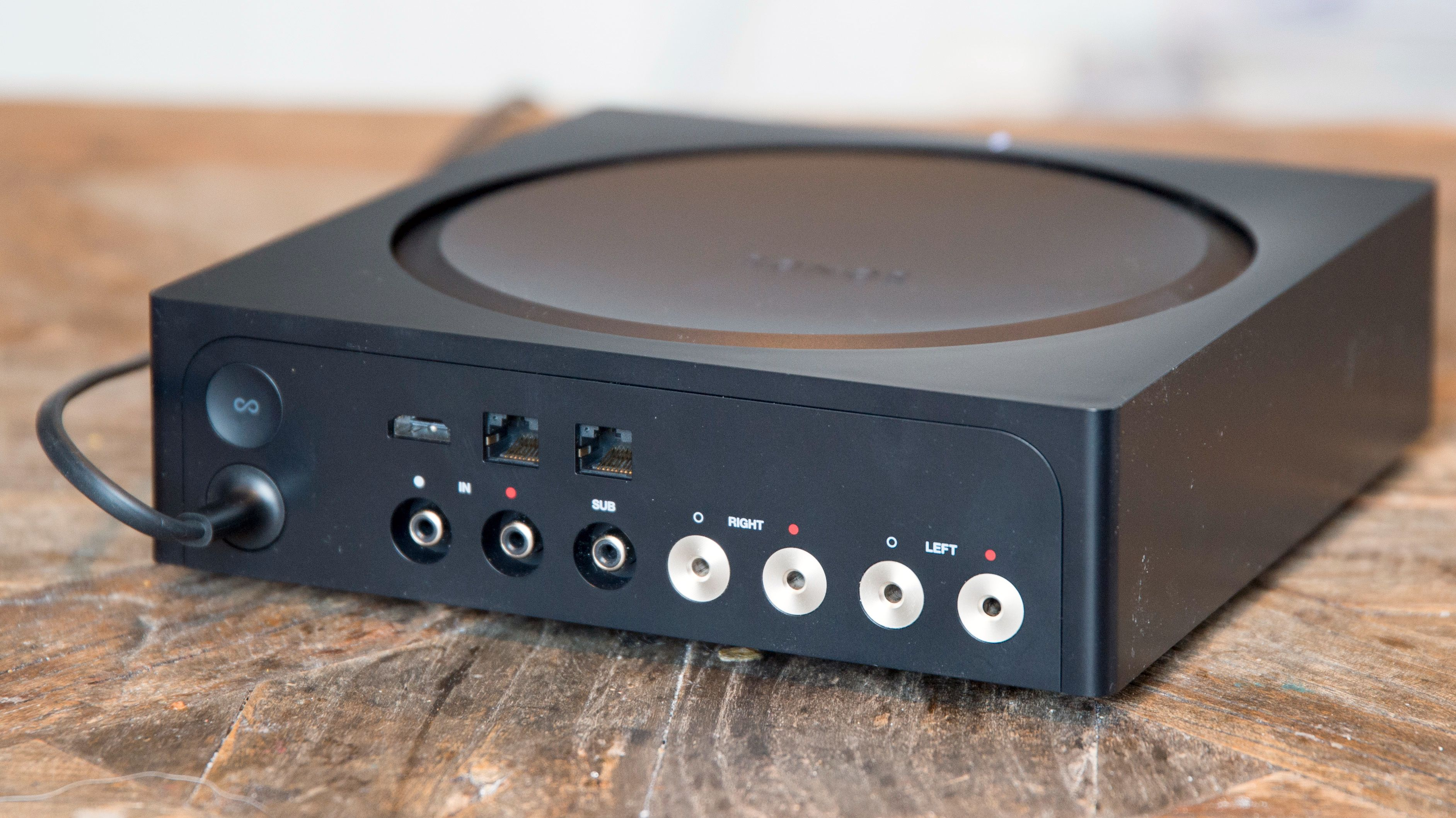 Sonos Amp har greit med tilkoblinger