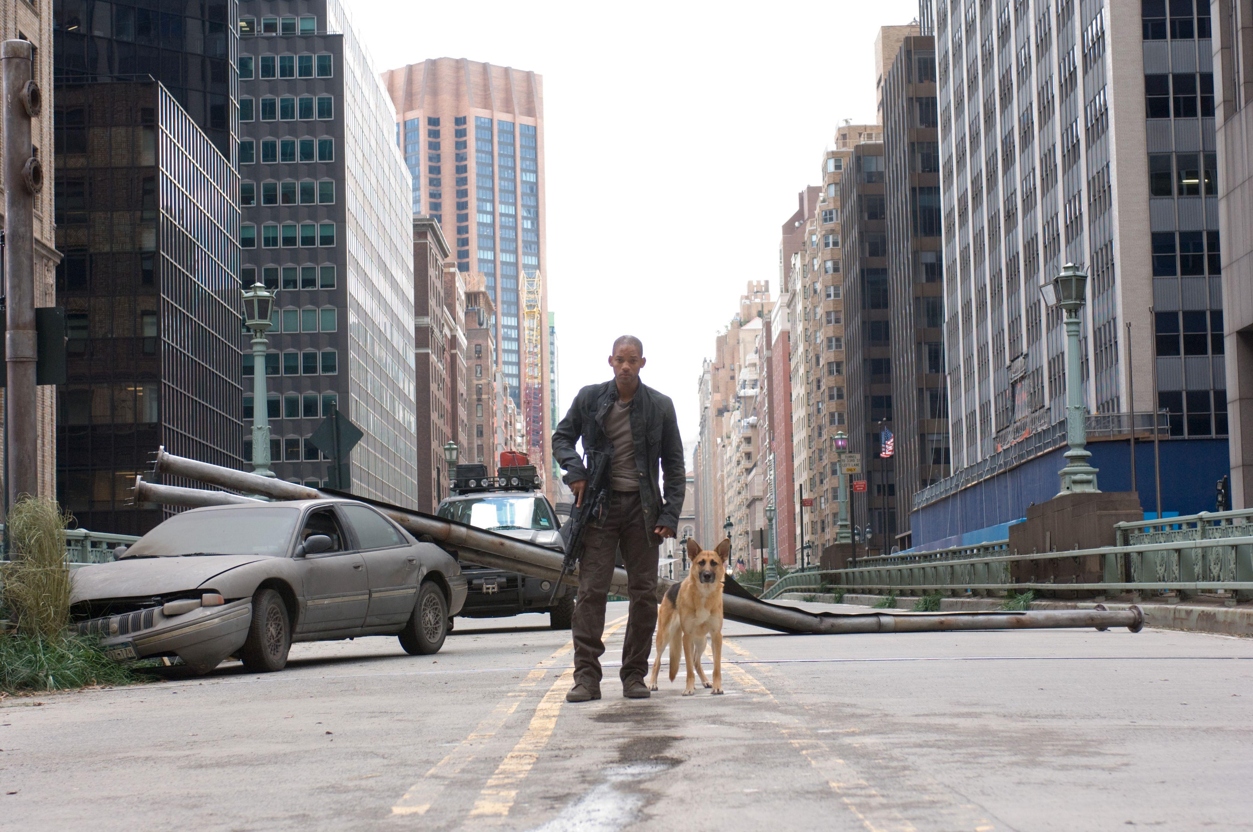 Robert Neville er helt alene i New York. Eller?