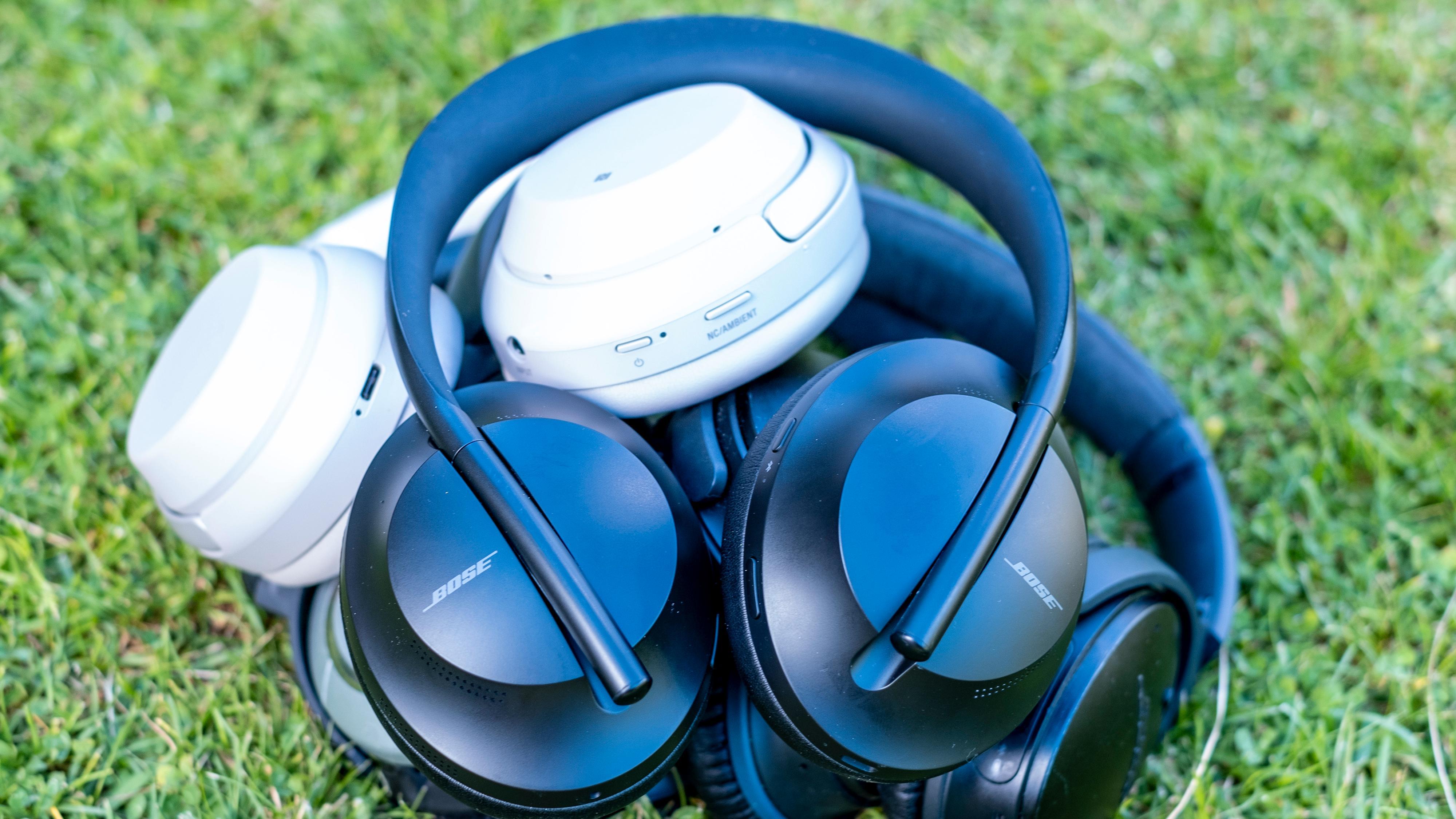 Boses Noise Cancelling Headphones 700 oppå en liten stabel av konkurrenter, deriblant Sonys 1000XM-serie, som har slått voldsomt an.