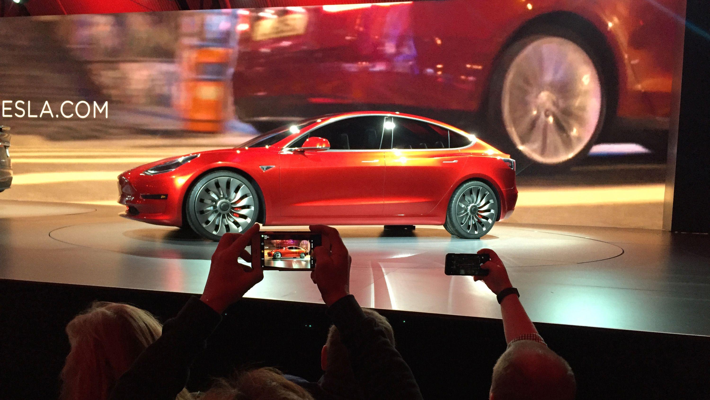 Tesla utsetter Model 3-lanseringen i Europa til 2019