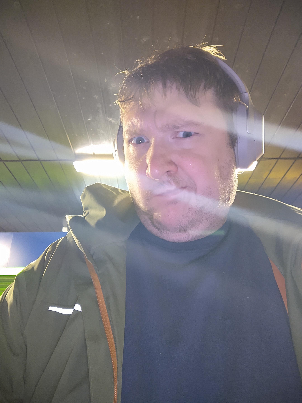Selfier i mørket er ikke like enkle å få til.