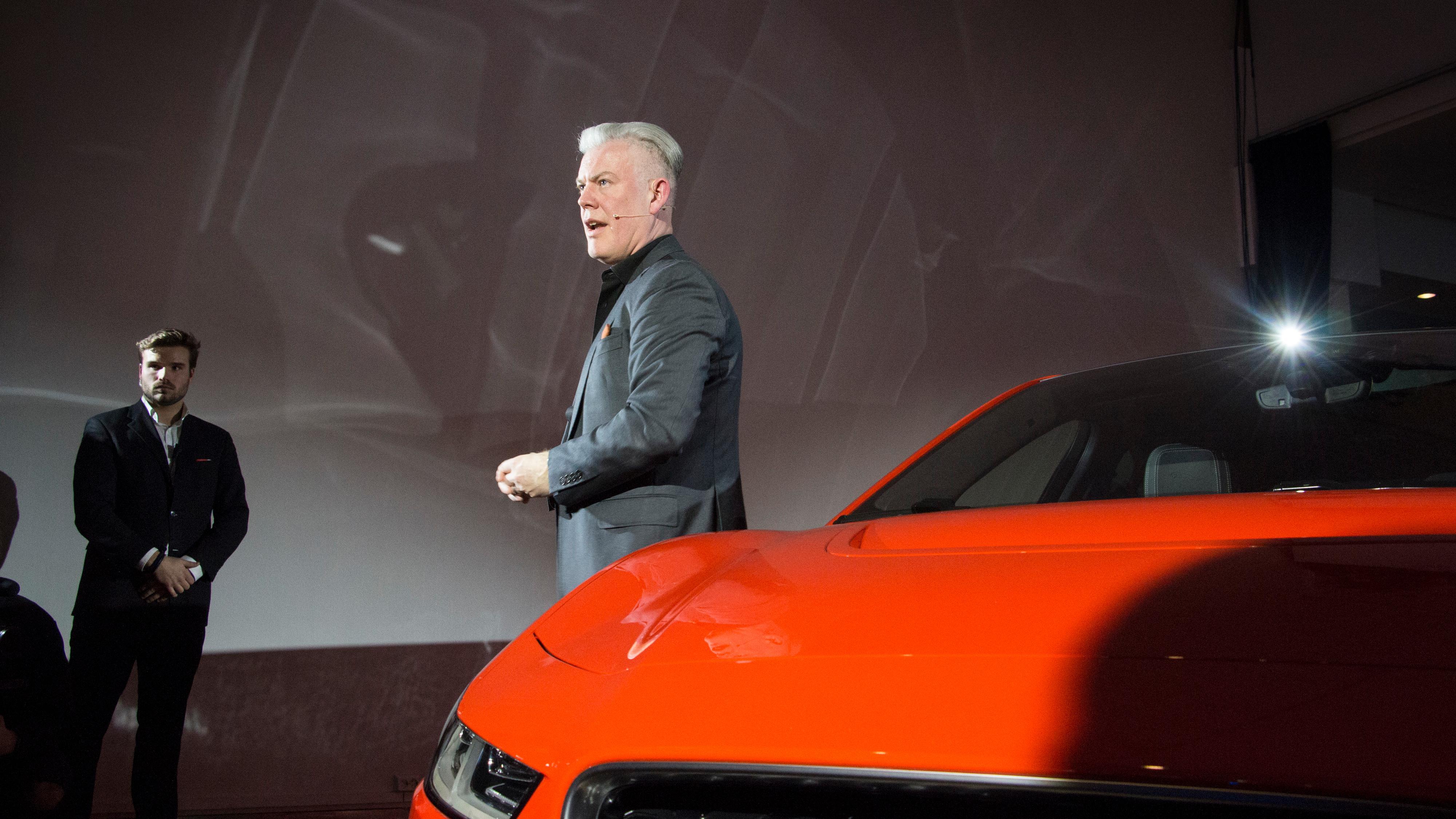 Designansvarlig for Jaguar i-Pace, Wayne Burgess, var i Oslo for å avduke bilen og snakke om designfilosofien bak.