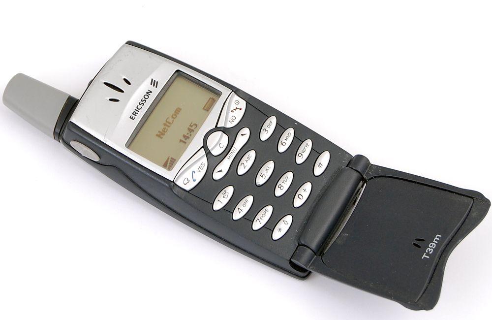 T39 var en knøttliten telefon for sin tid. (Foto: Simen Willgohs)