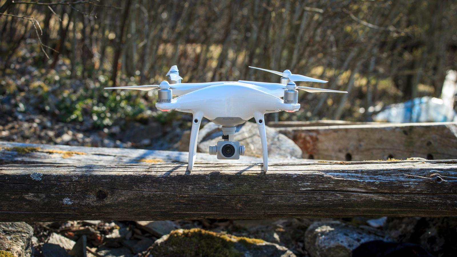 DJI Phantom 4 RTF kameradrone Med antikollisjonssystem og