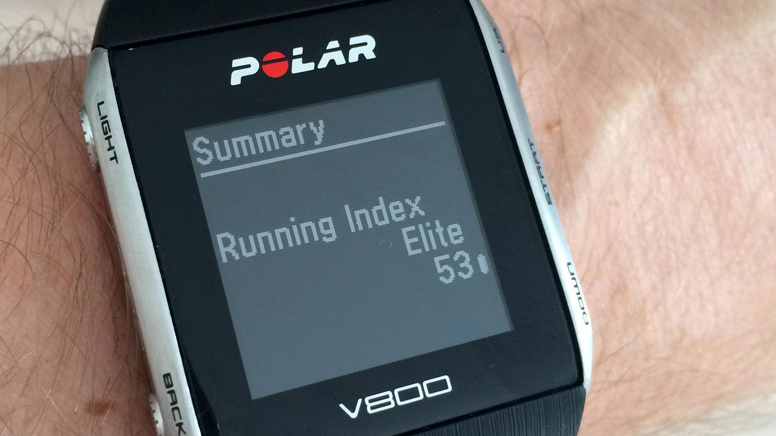 Løpsindeksen regnes ut etter løpet basert på en kombinasjon av alder, puls og fart, og i V800 tas det også hensyn til om du løper i oppover- eller nedoverbakker. Undertegnede er visstnok i god form til å være godt oppe i 40-årene, hevder klokken. Hvorfor jeg hele tiden blir forbiløpt må altså ha en annen forklaring.