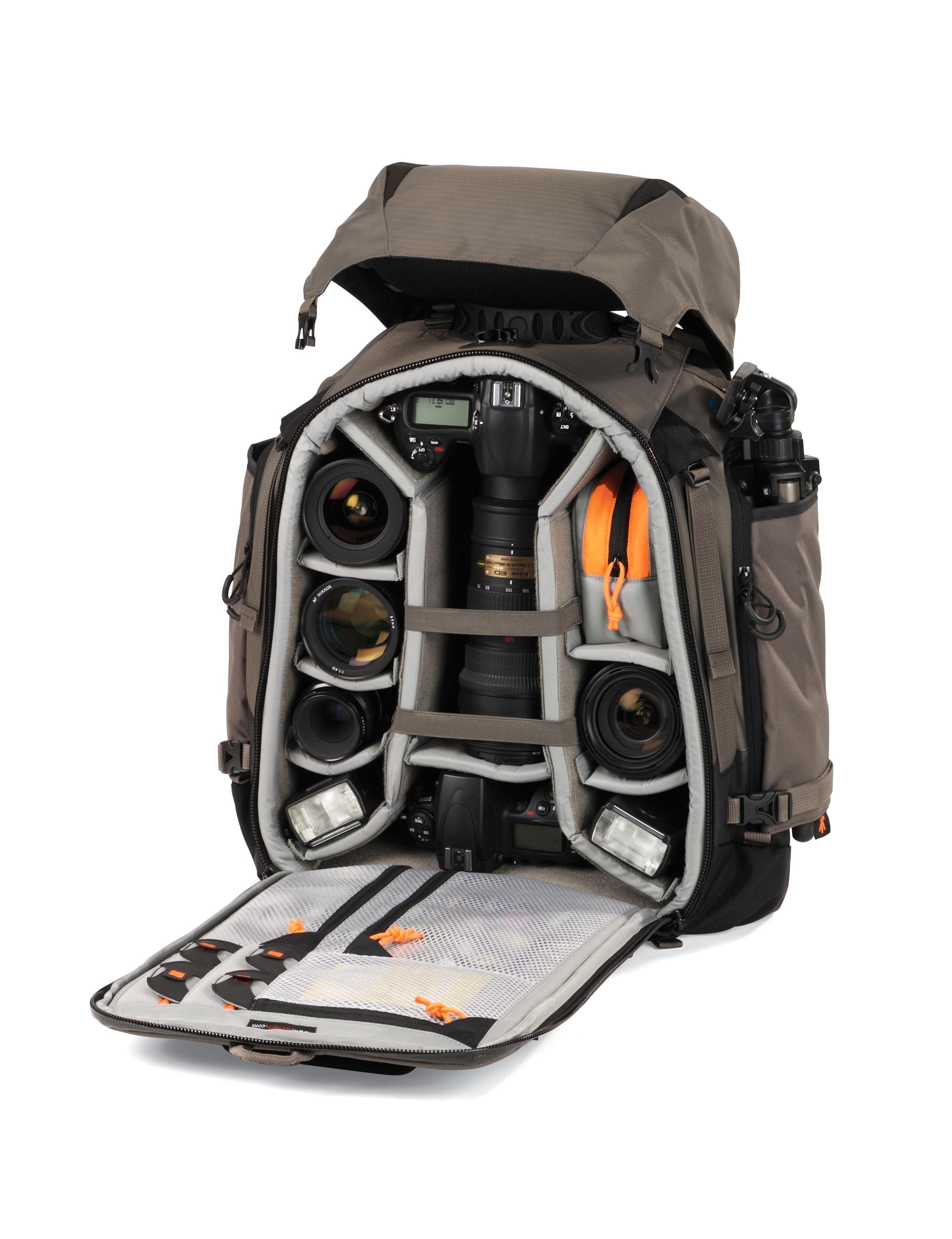 Pro Trekker 300 AW