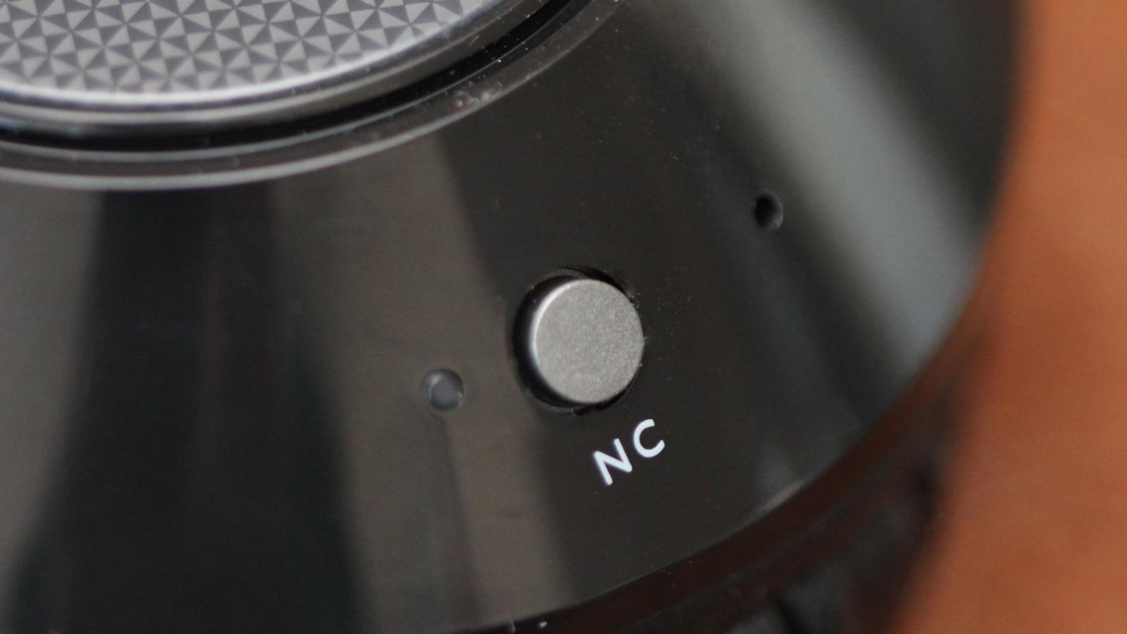 Noise canselling-funksjonen på Philips SHB9850NC virker mot sin hensikt. Foto: Espen Irwing Swang, Tek.no
